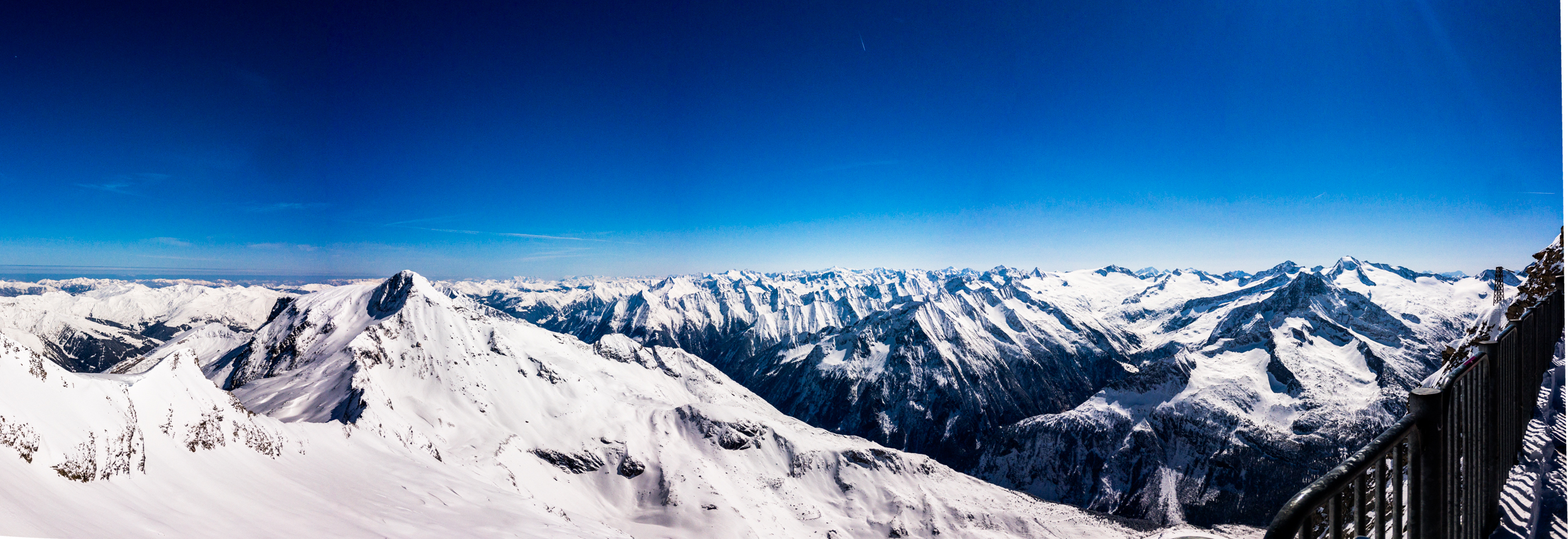 The East view of the Alps from Hintertux 3250m