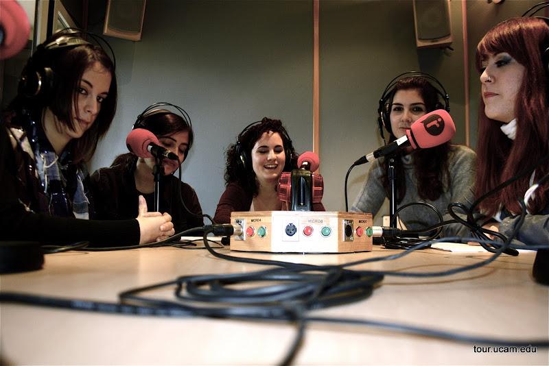 iRadio estudiantes.JPG