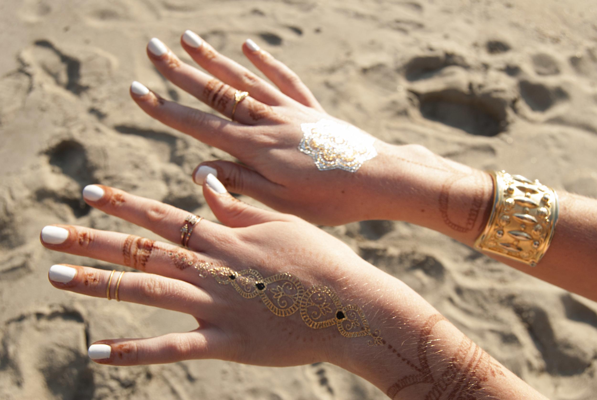 Flash Tattoos and Henna (via Girl x Garment)