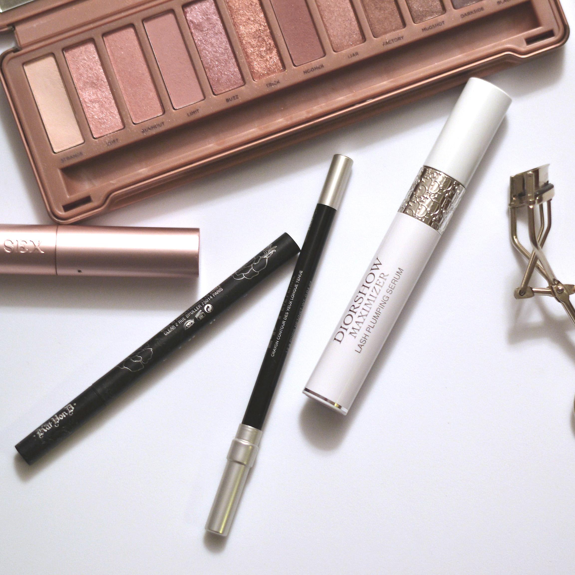 Makeup (via Girl x Garment)