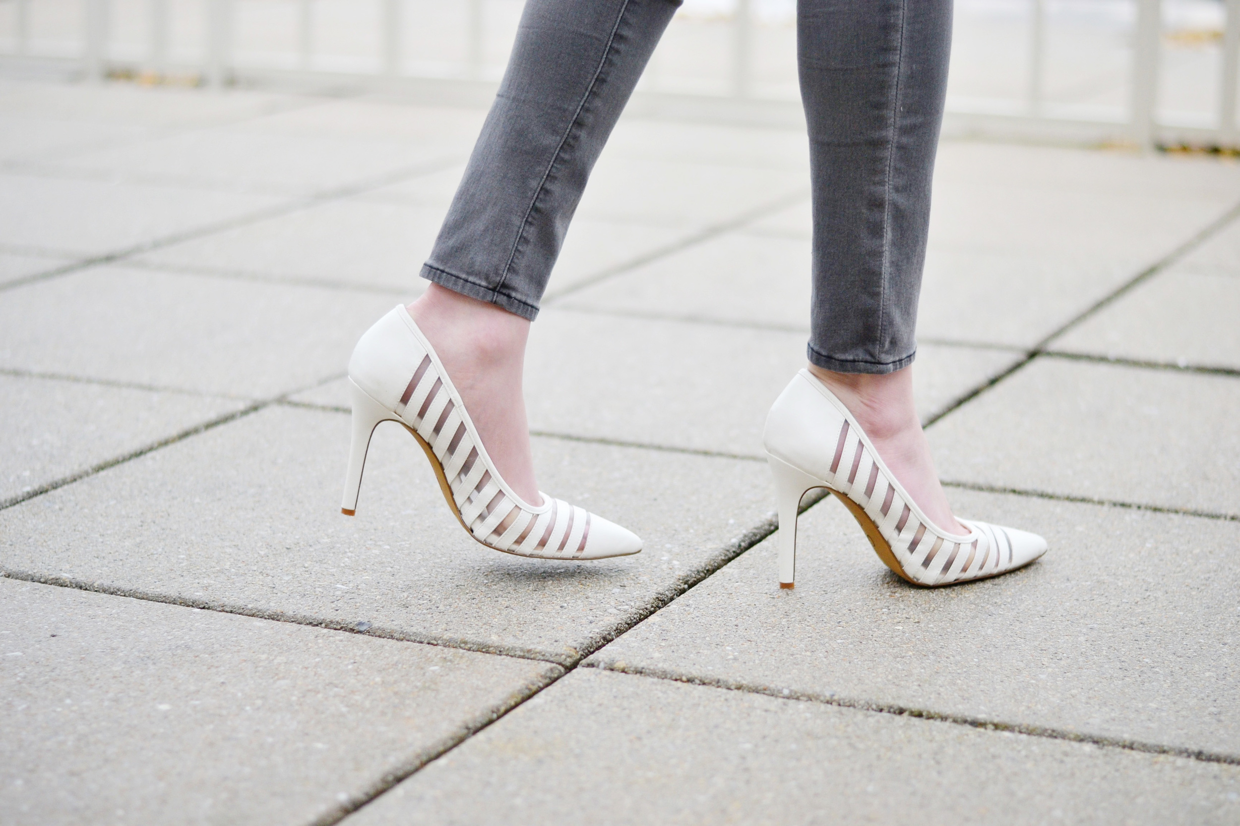 White Pumps with Mesh Detailing (via Chic Now)