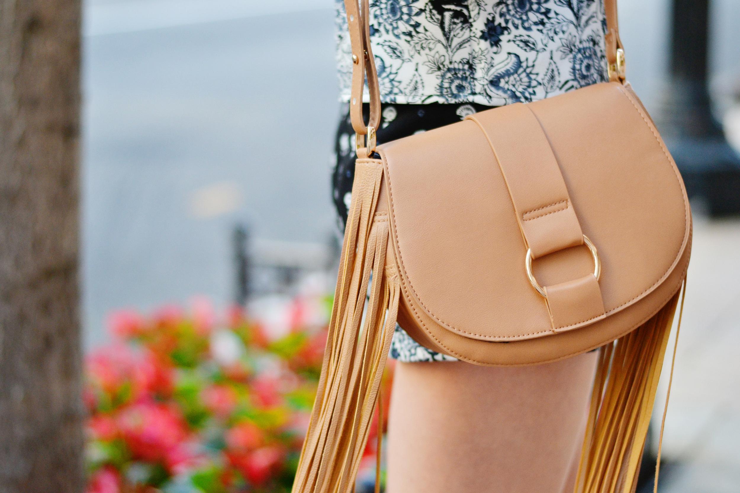 H&M Fringe Crossbody Bag (via Chic Now)