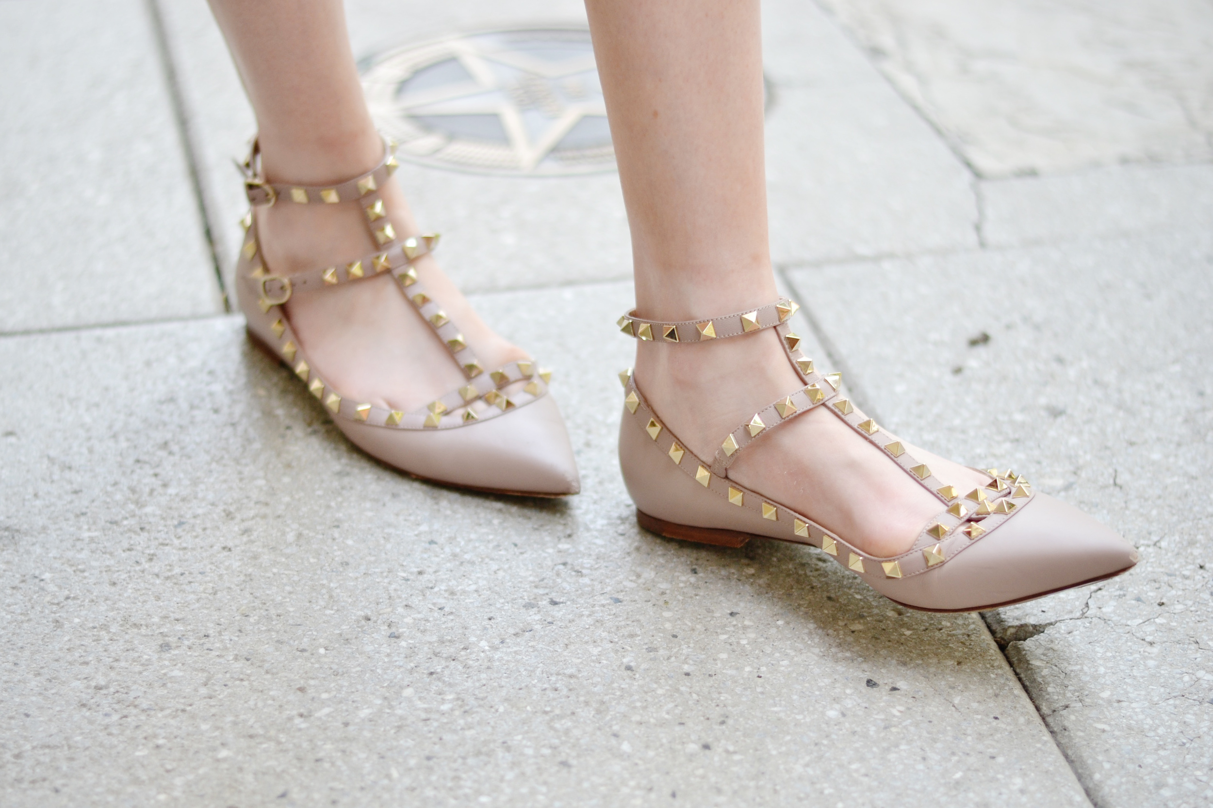 Nude Valentino Rockstud Flats (via Chic Now)