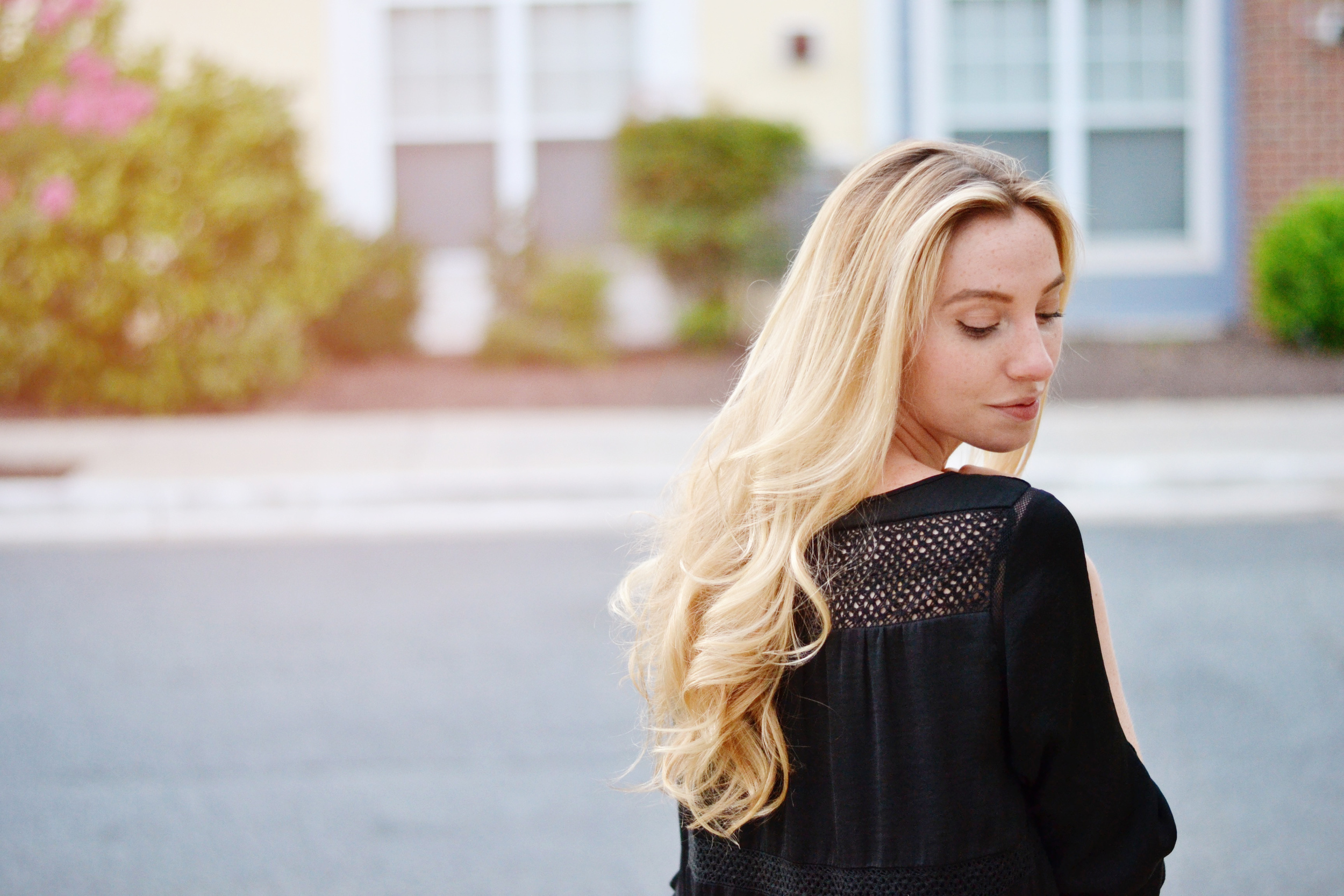 How to care for blonde hair (via Chic Now)