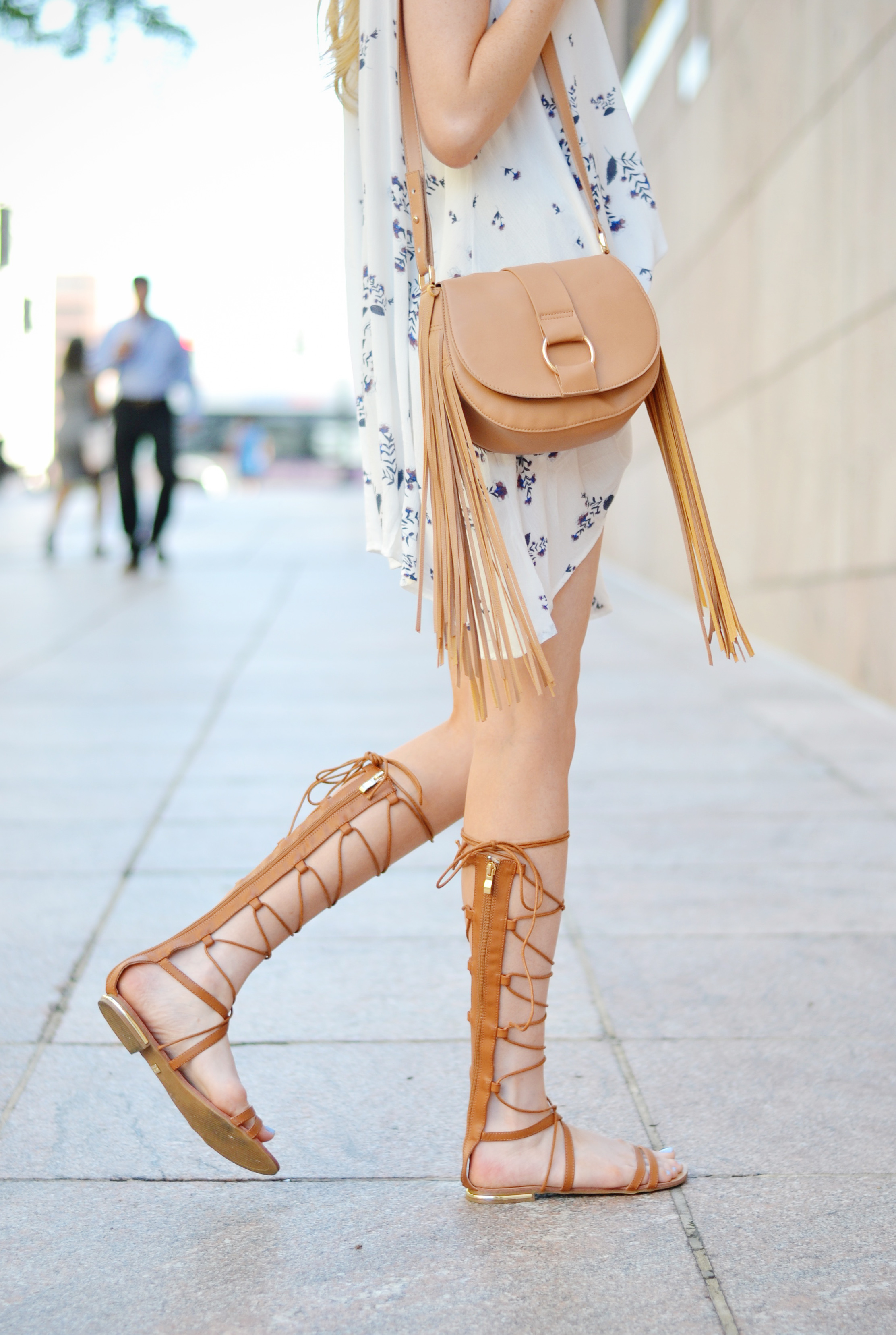 Blogger Flowy Top & Lace Up Sandals (via Chic Now)