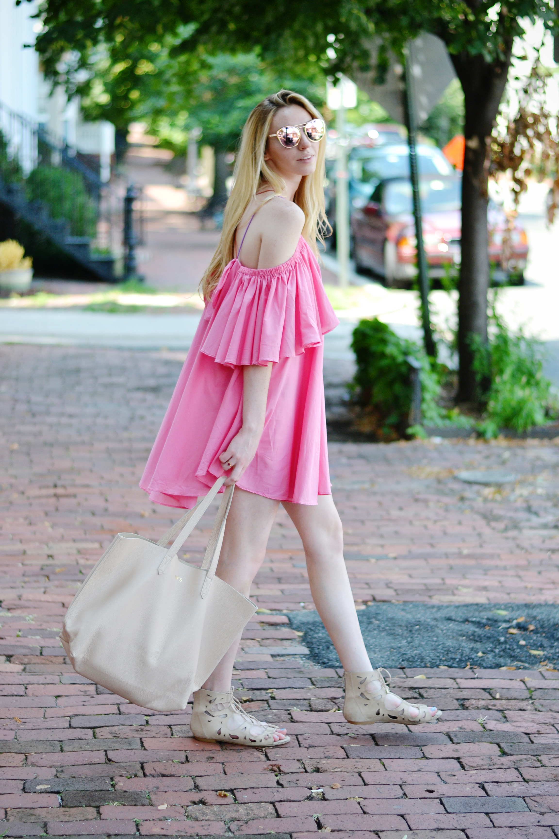 Blogger Cuyana Tote Bag (via Chic Now)