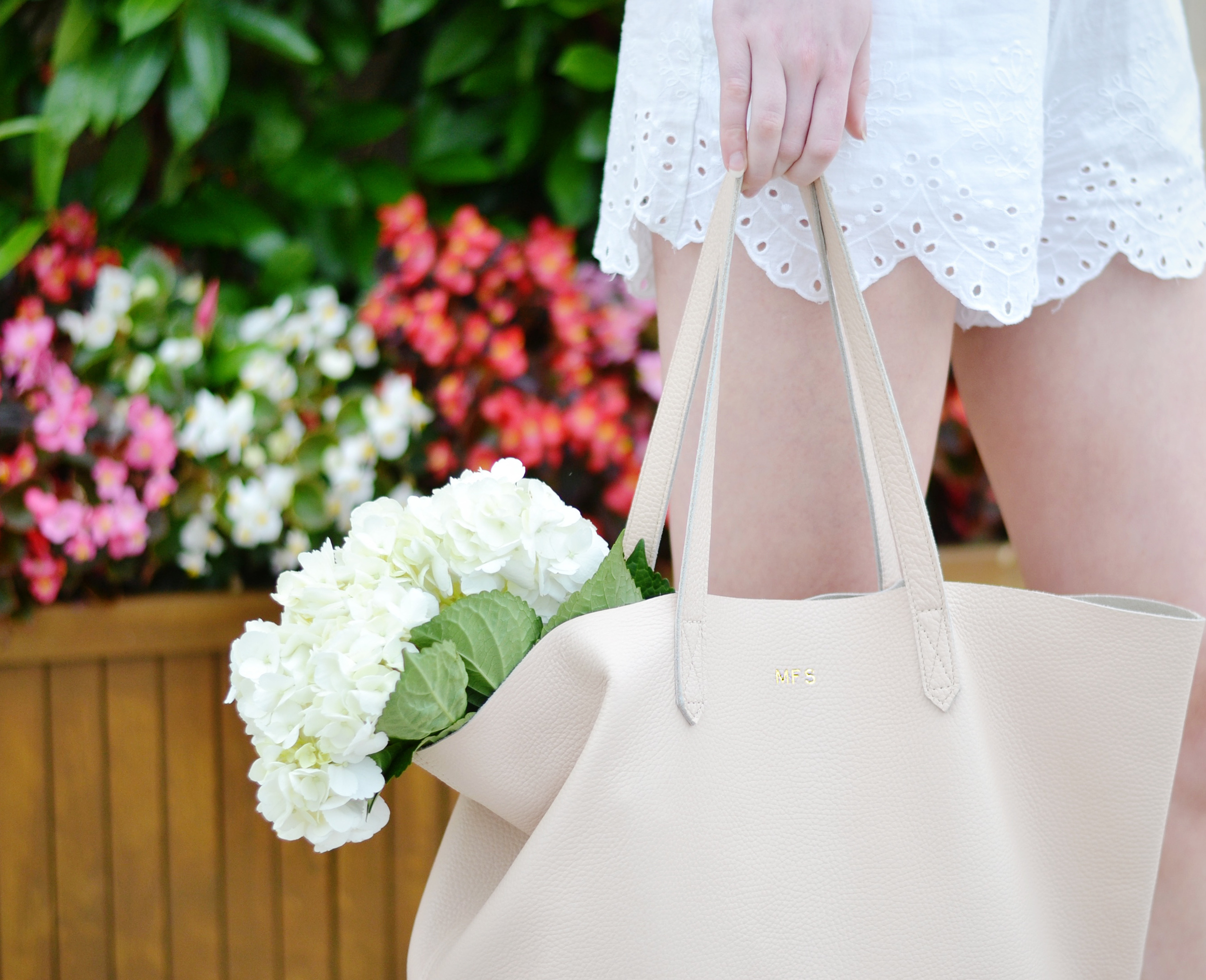 Cuyana Tote Bag (via Chic Now)