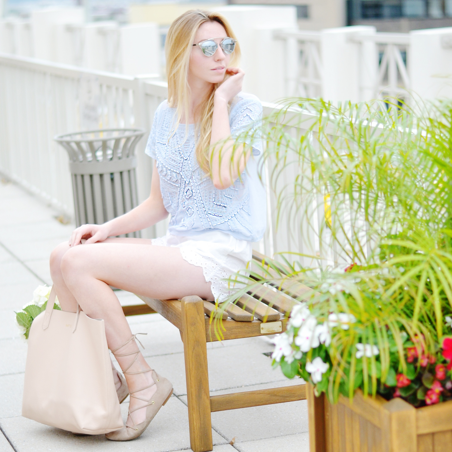 Blogger Daycation Top (via Chic Now)