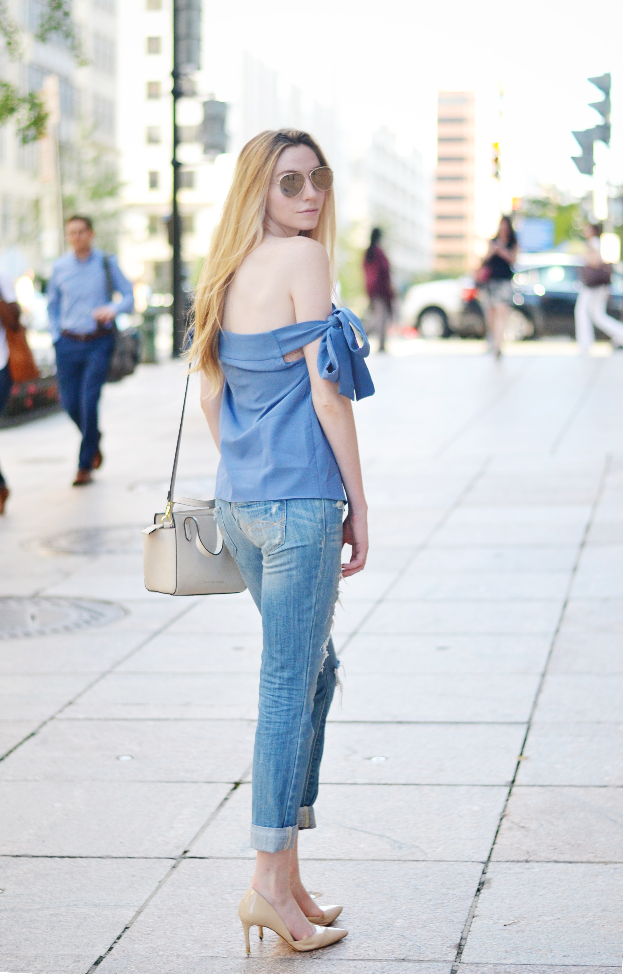 Blogger Off The Shoulder Top (via Chic Now)