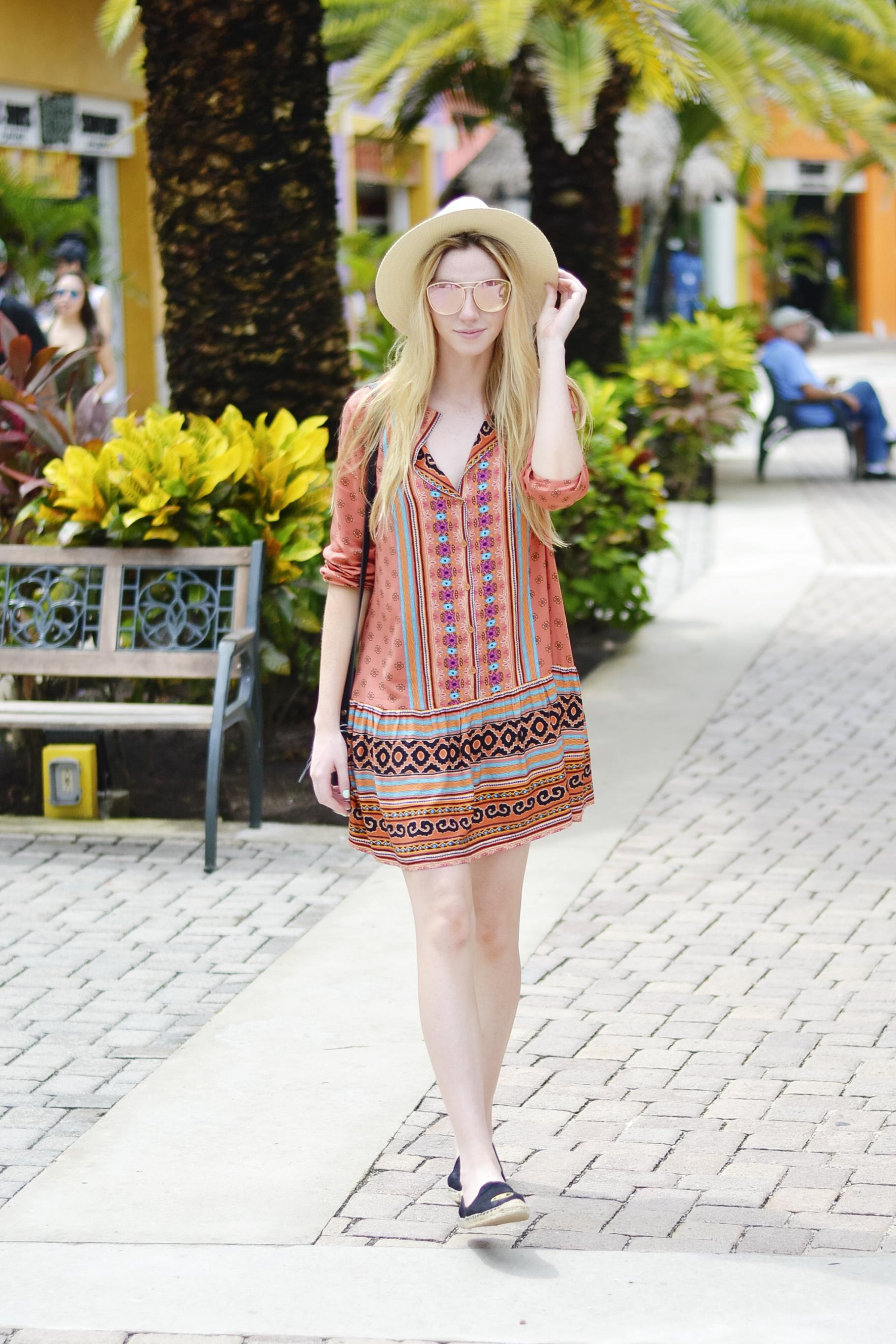 BB Dakota Dress Blogger (via Chic Now)