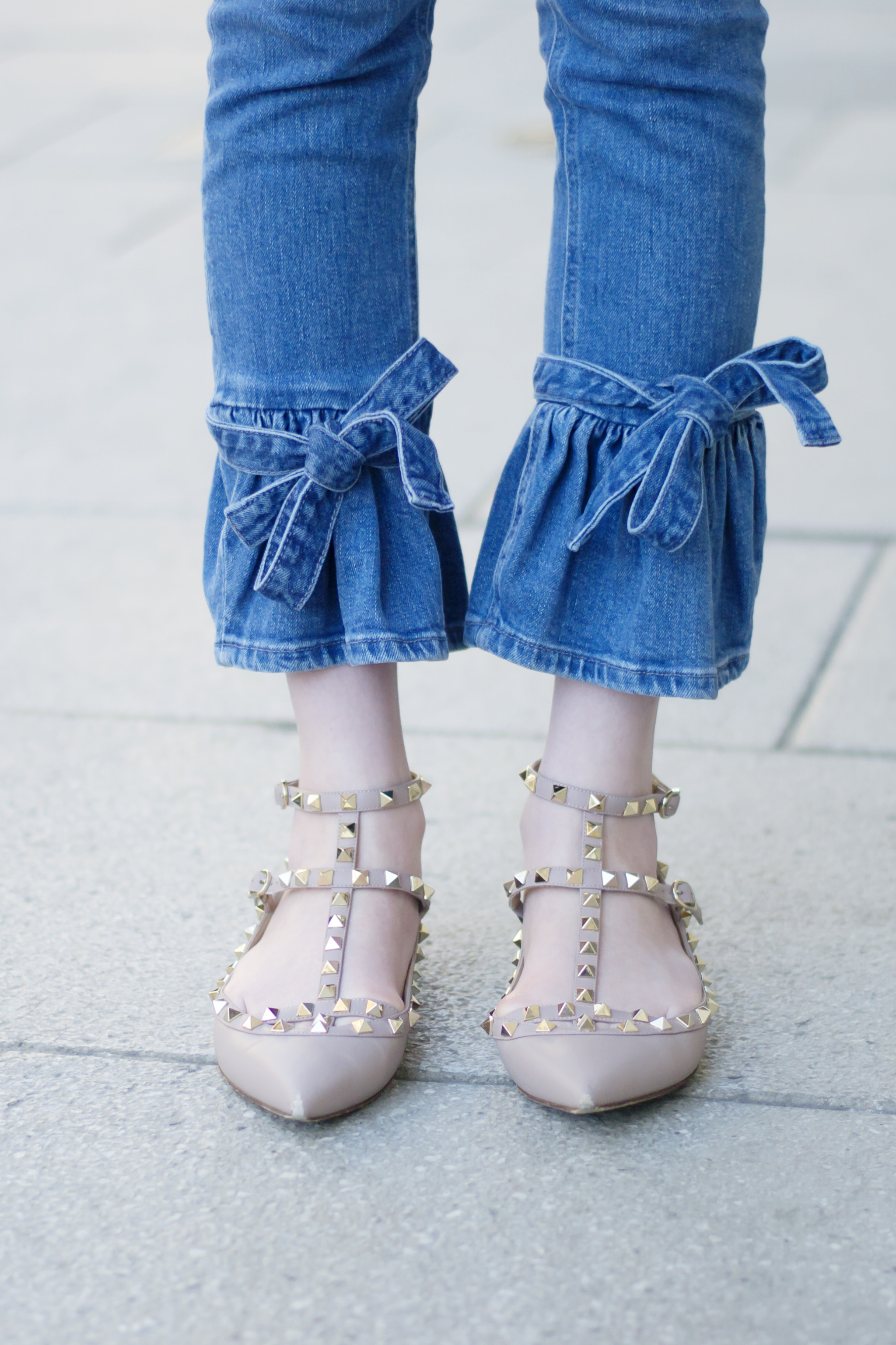 Cropped Flare Bow Jeans