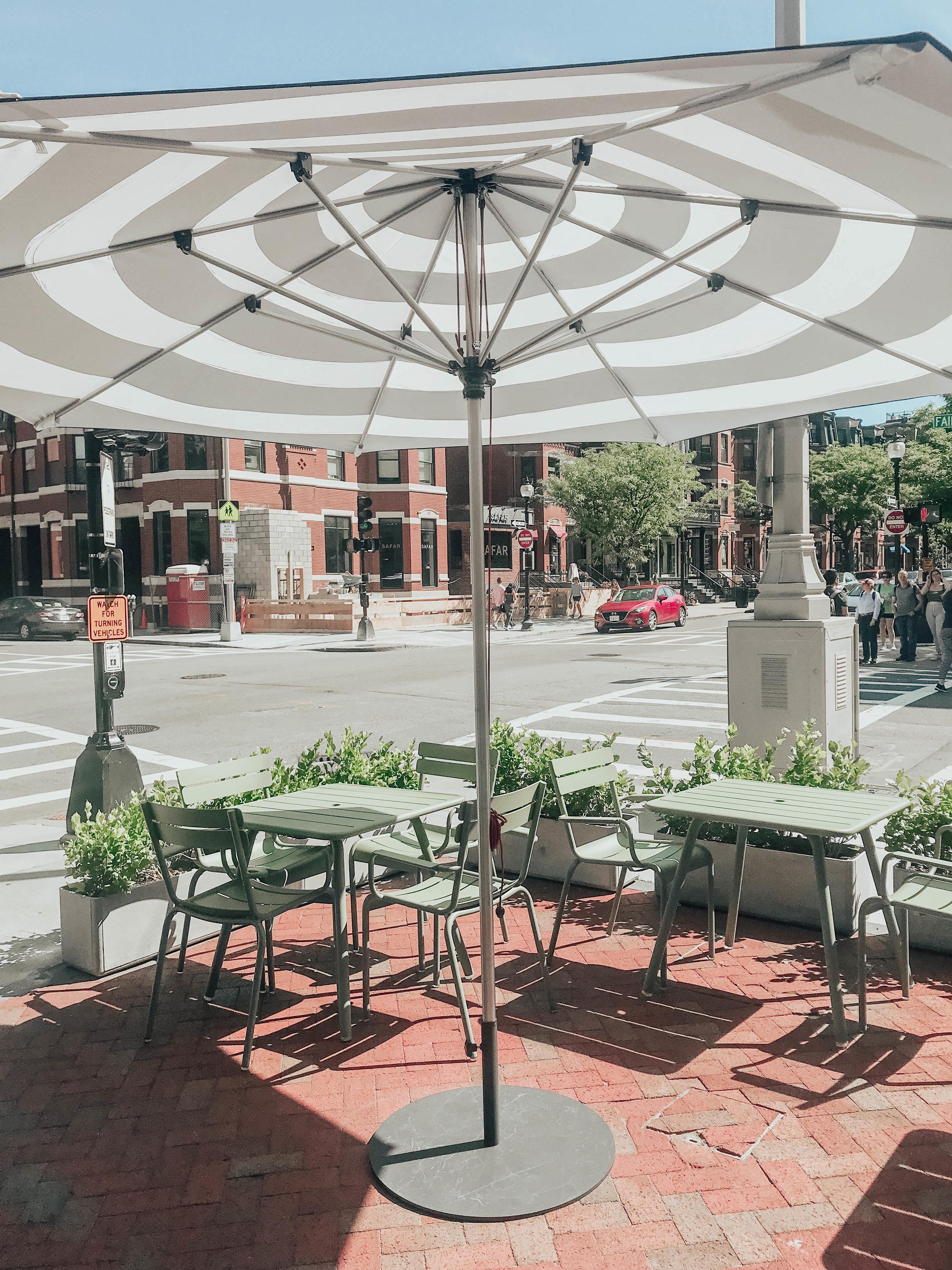 Newbury Street Boston | @maevestier