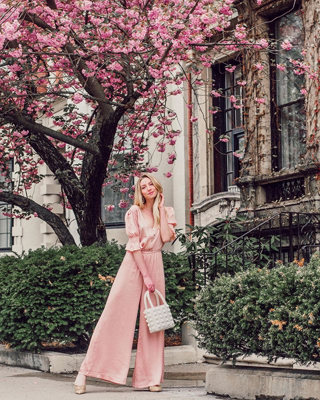 Did someone say pink satin jumpsuit with princess sleeves? 👑