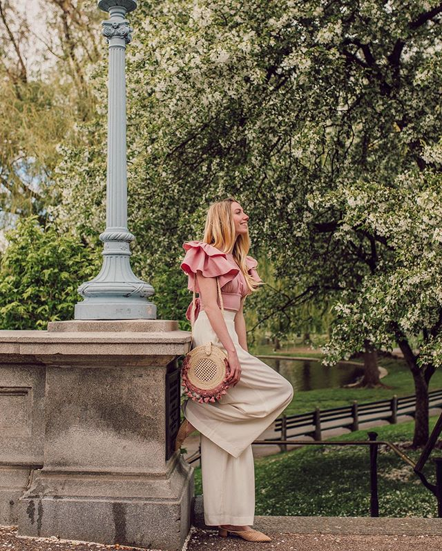I look like I'm auditioning for the role of Blonde Boston Garden Fairy and I'm more than ok with that 🧚🏻‍♀️ Outfit details via @liketoknow.it: http://liketk.it/2BSrB #liketkit