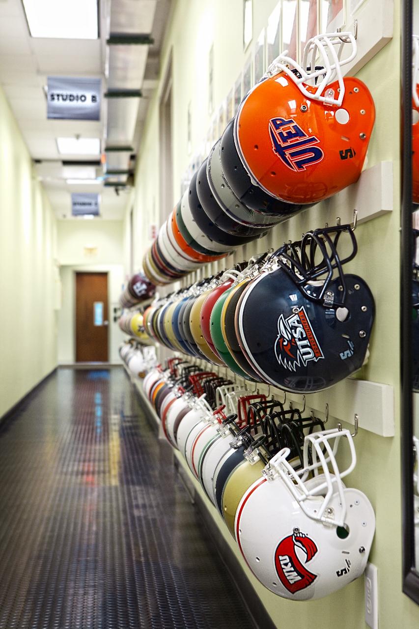 _MG_0919.2 Helmets (853x1280).jpg