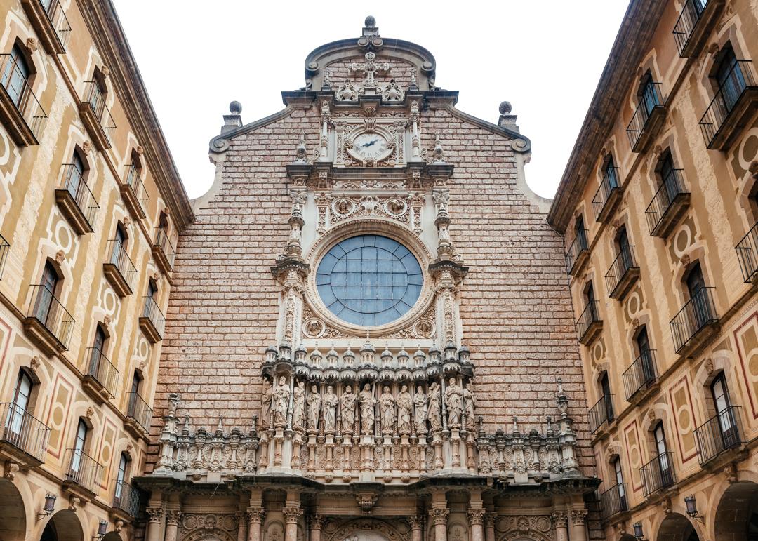 The Santa Maria de Montserrat had beautifully carves statues of saints towering over everyone that passes through the corridor.