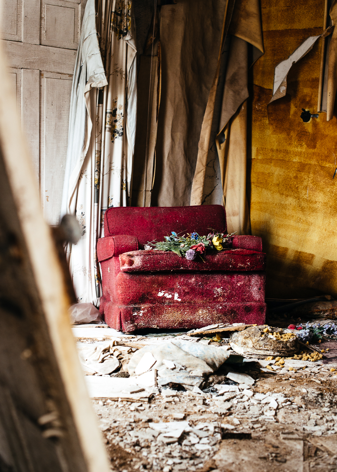 Lead paint, peeling wallpaper, and old furniture hold the history to Hyde Manor.