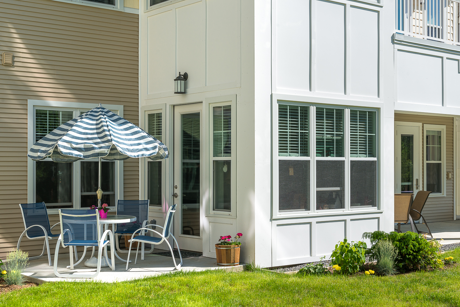 Independent living patio.