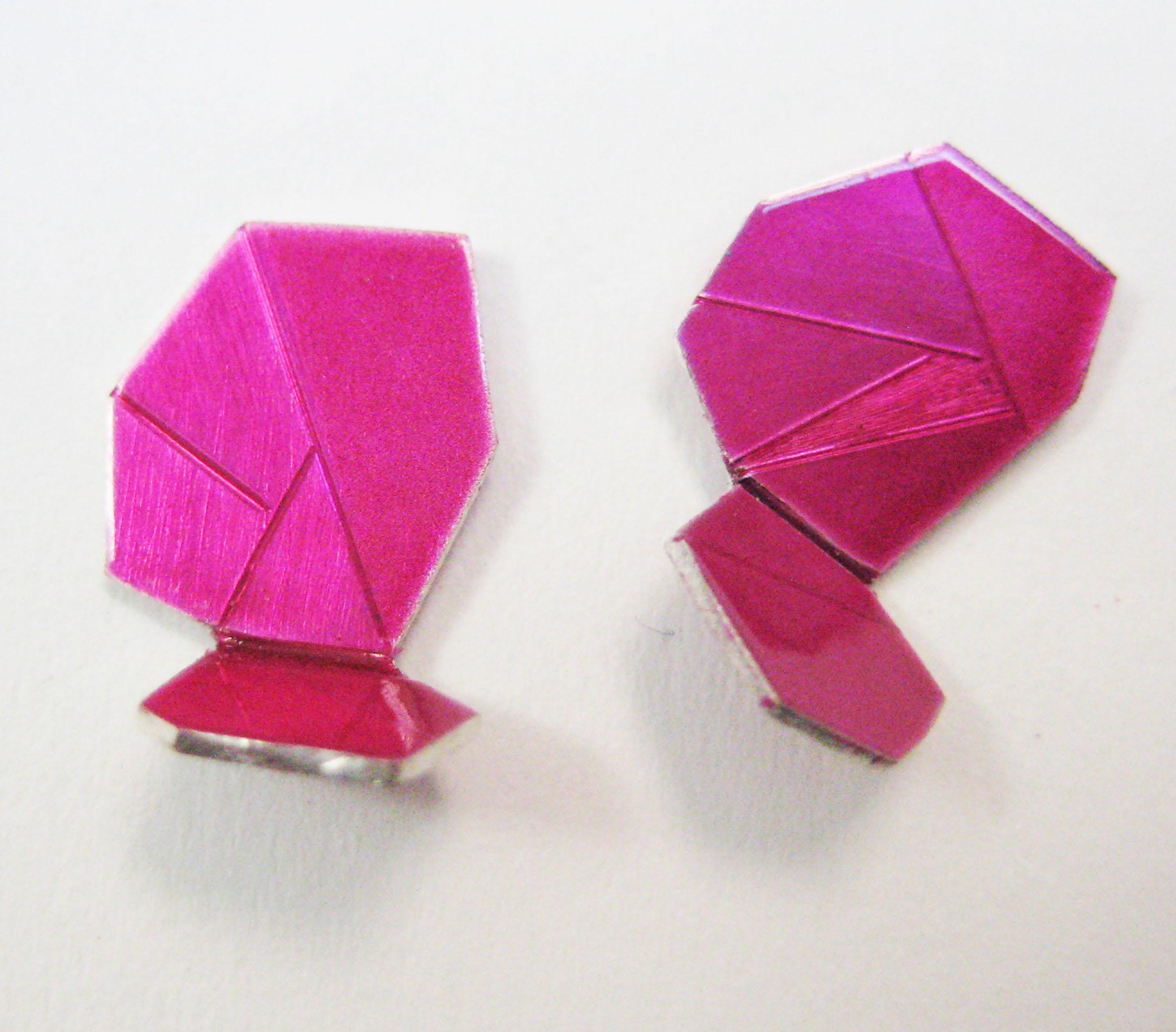 5-Smal Raspberry Ear Gems-Voegele.jpg