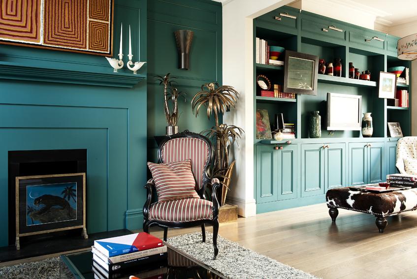 4-livingroom_shelves.jpg