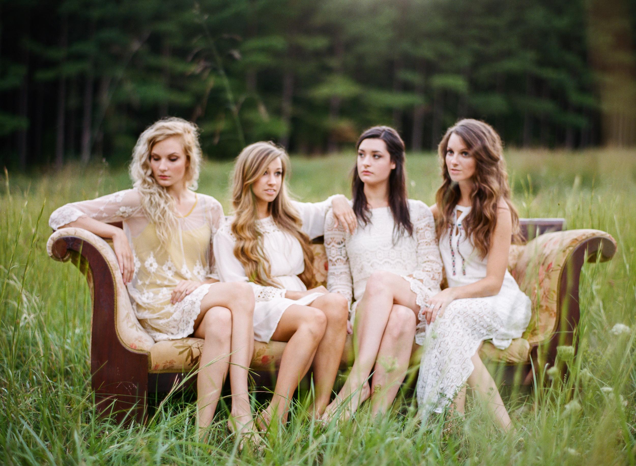 Gladiola girls_Editorial_lookbook_fall_fashion_Zachary Taylor_Fine_Art_Wedding_Photographer-6.jpg