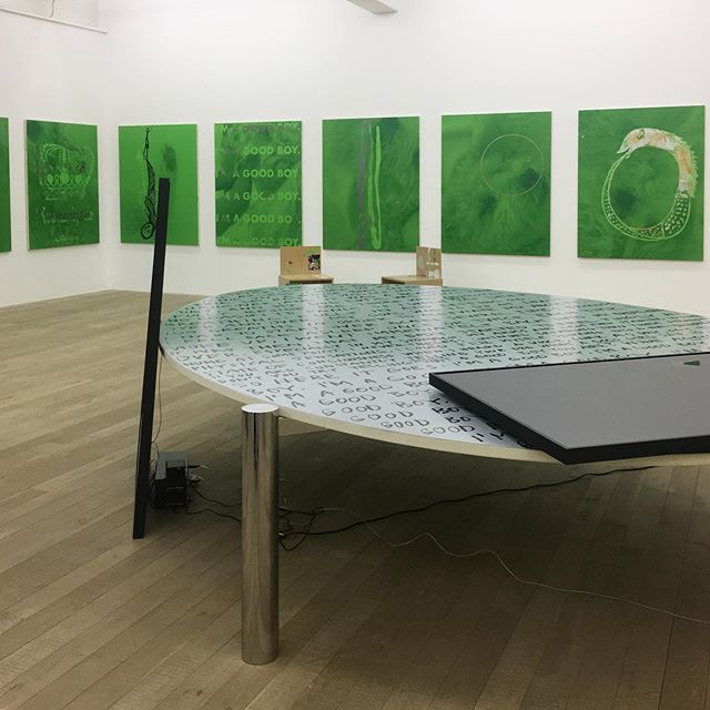 The first table of #10tablesand1, a collaboration of @fabian_marti with #truwantrodet (@charlottetruwant) and with the help off @cclab was part of fabians exhibition @galeriepeterkilchmann happily accompanied by the Lutz paintings
