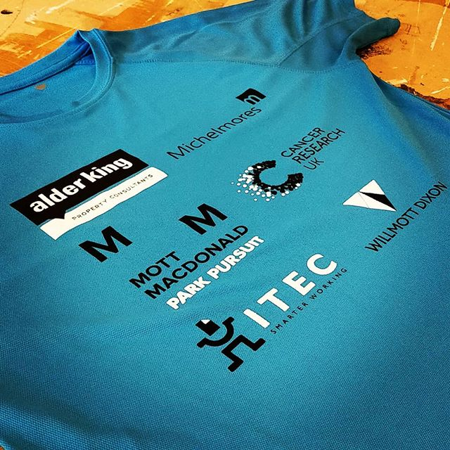 Two colour screen print on running tops #cancerresearchuk #running #run #exeter #devon #roarclothinguk