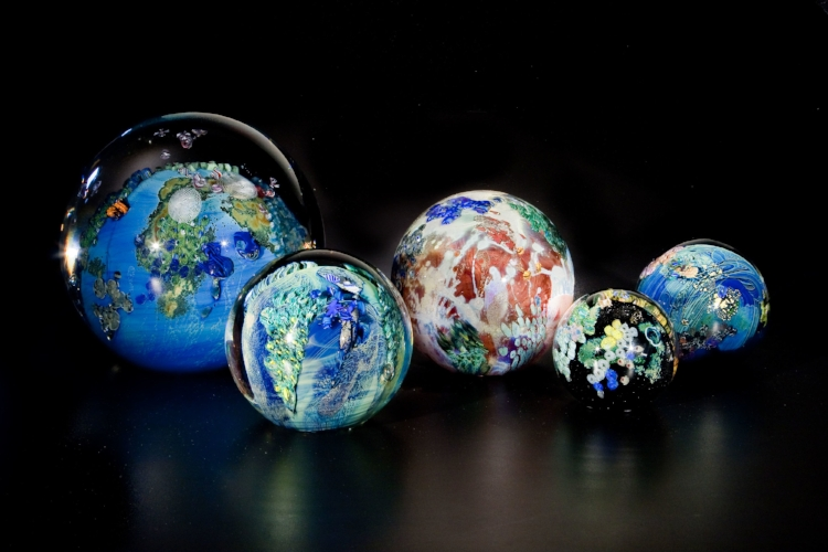 PLANET PAPERWEIGHTS