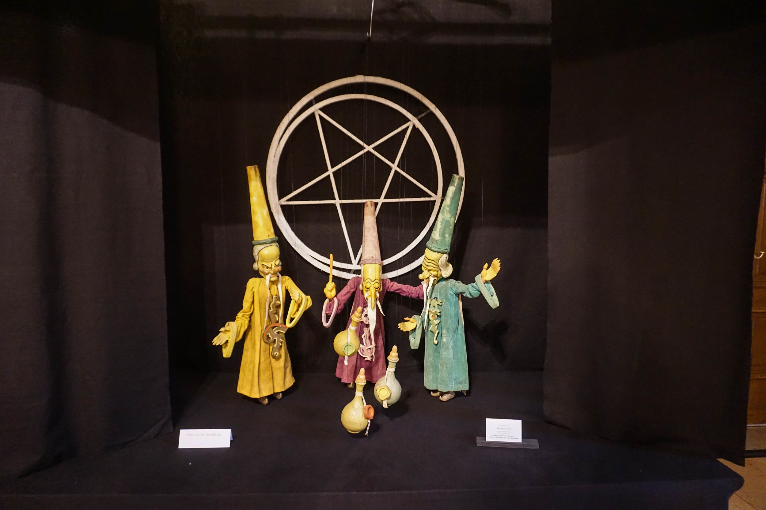 Look - the Three Wisemen with the Inverted Pentagram - so festive!
