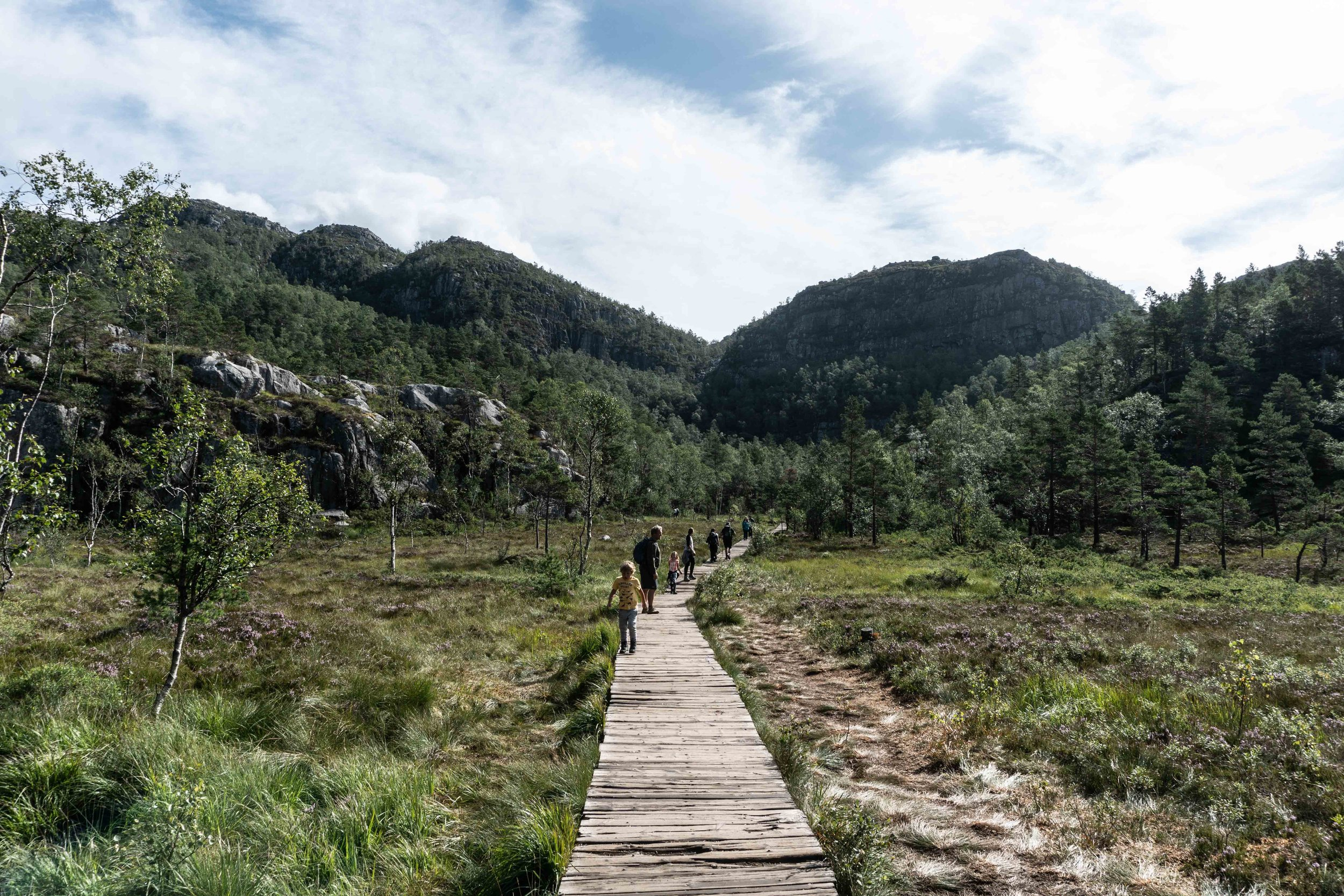 Hike to Preikestolen