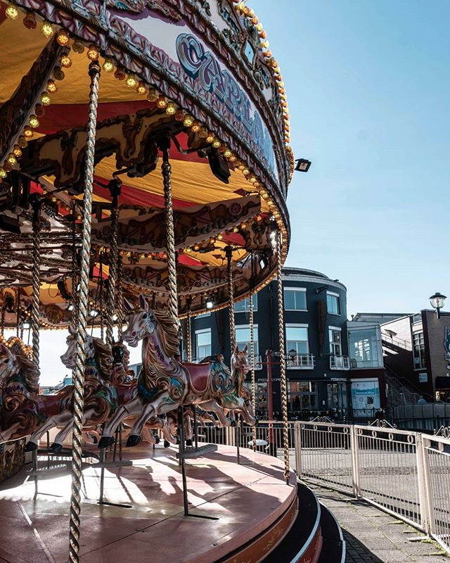 We've done a fat load of nothing in Cardiff, which has been just the ticket 🎠 #cardiffbythesea