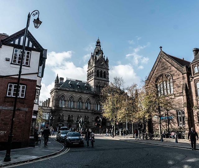 It's been a while, but we're alive and actually doing things! We've really enjoyed our time in #Manchester and the surrounding ecoutrements. Like the above, #Chester, a cookie cutter town and charming afternoon. #unitedkingdom