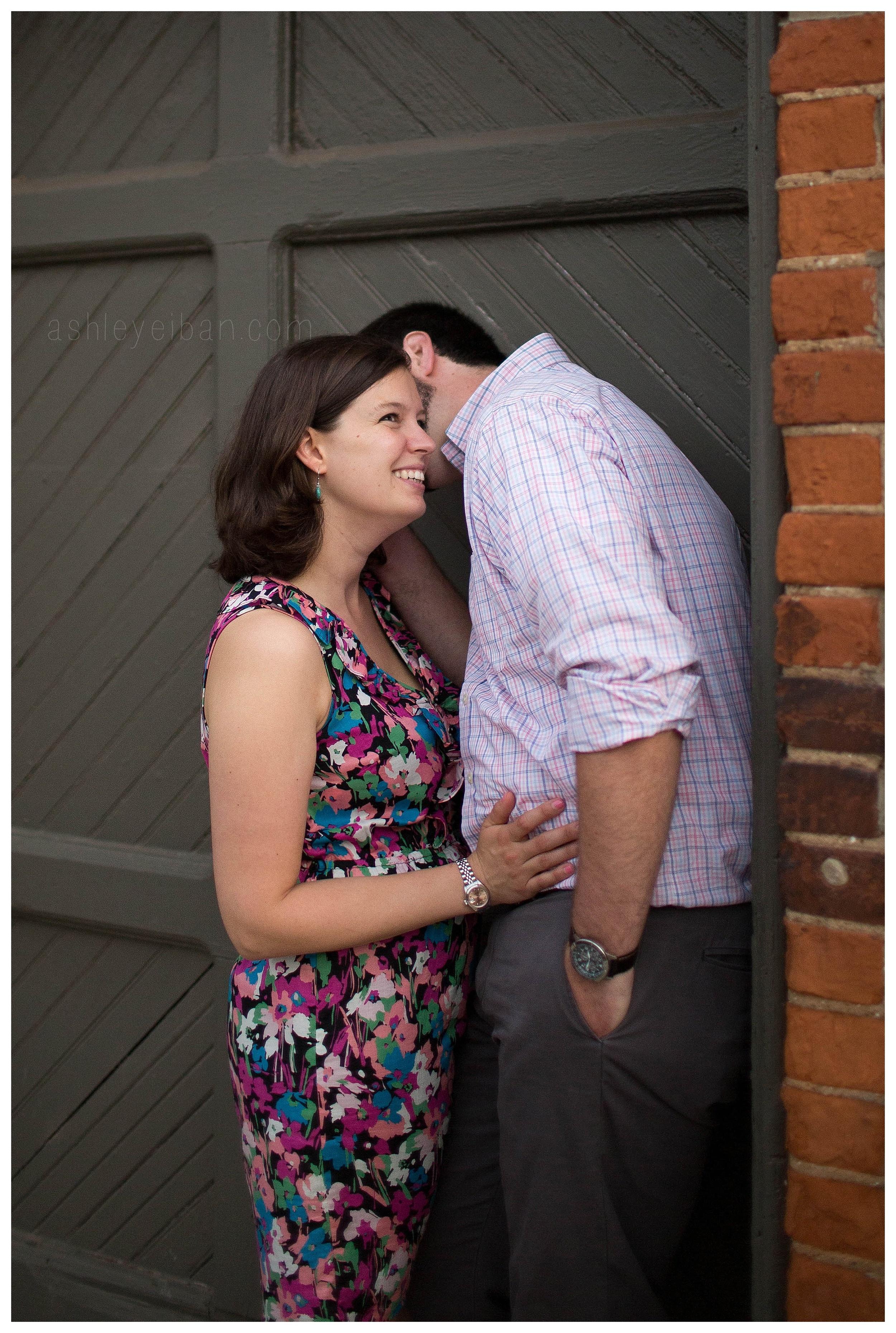 Downtown Lynchburg, Virginia engagement photographer || Ashley Eiban Photography || www.ashleyeiban.com