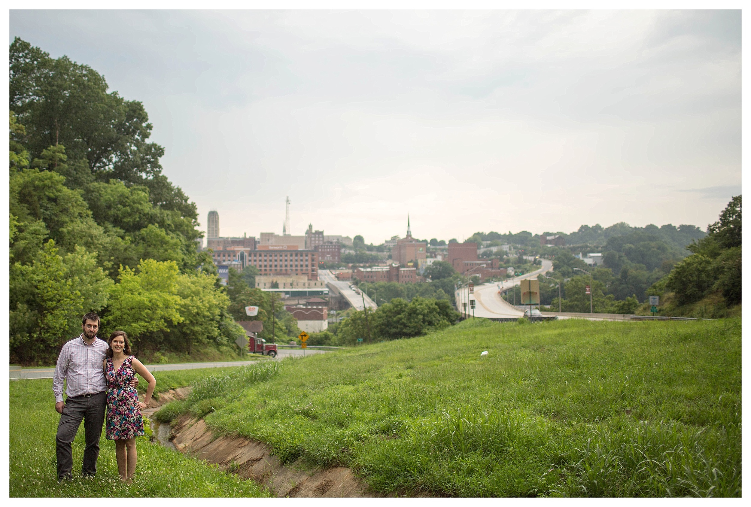 Downtown Lynchburg, Virginia engagement photographer || Ashley Eiban Photography || www.ashleyeiban.com