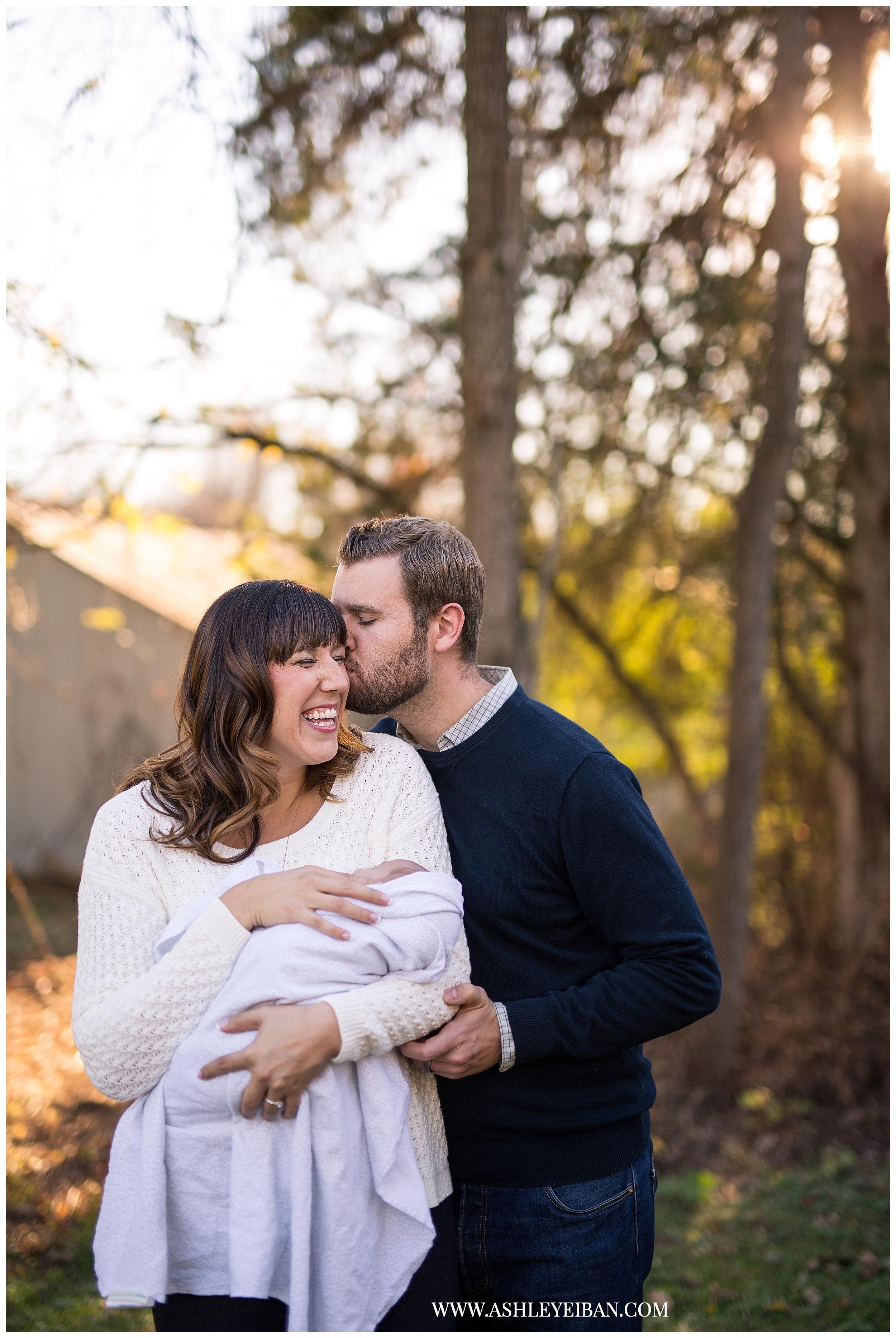 Wedding & Portrait Photographer in Lynchburg, VA || Central VA Family Photographer || Ashley Eiban Photography || www.ashleyeiban.com