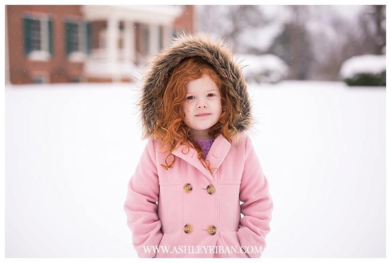 Lynchburg VA Wedding and Portrait Photographer || Family Photos in the Snow || Central VA Photographer || Ashley Eiban Photography || www.ashleyeiban.com