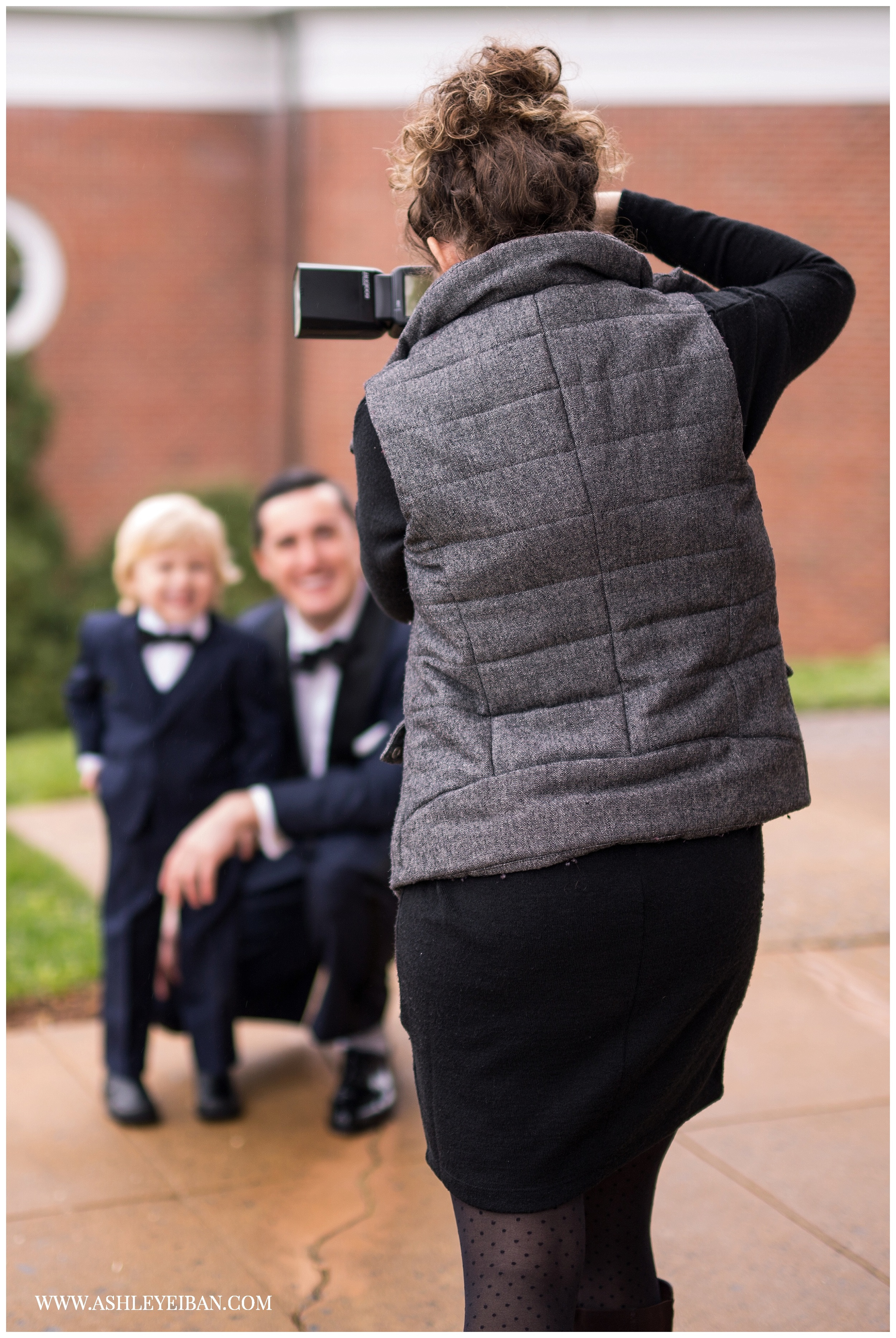 What to pack in your camera bag || Charlottesville Wedding Photographer || Wedding Photographer in Lynchburg, VA and Central Virginia || Ashley Eiban Photography || www.ashleyeiban.com