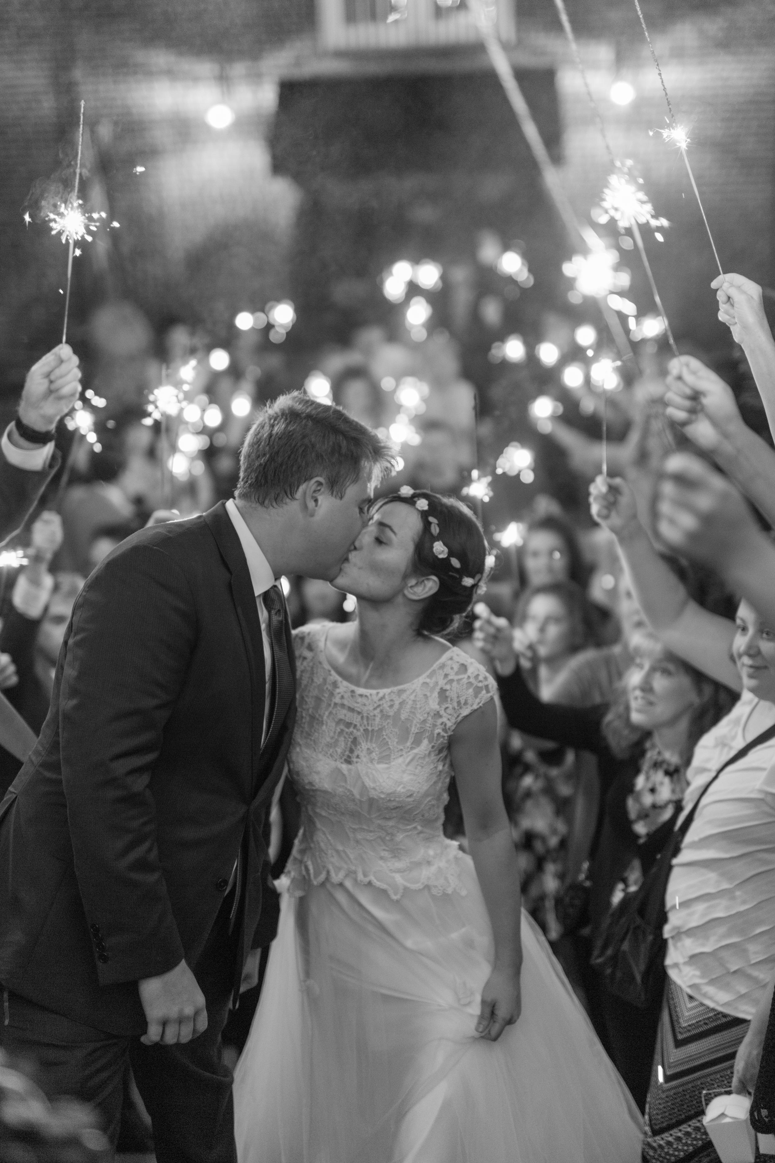 Lynchburg Wedding Photographer || Charlottesville Wedding Photographer || Ashley Eiban Photography || www.ashleyeiban.com