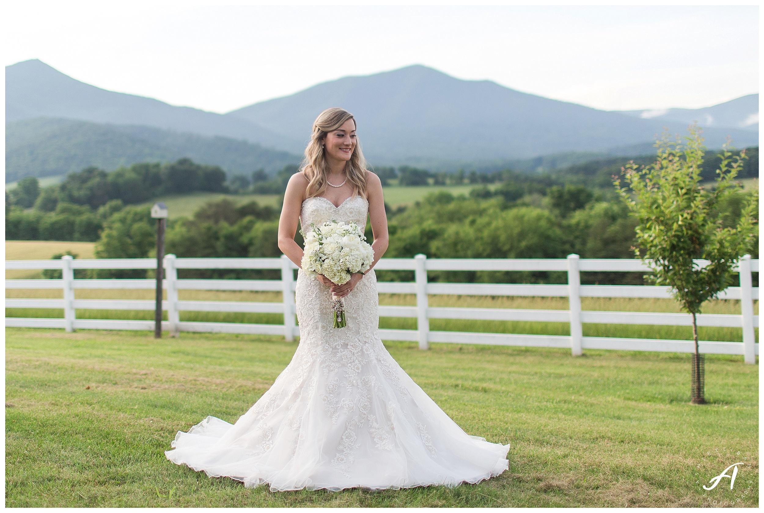 Bedford, Virginia Bridal Portraits || Mountain View Bridal Portraits || Ashley Eiban Photography || www.ashleyeiban.com