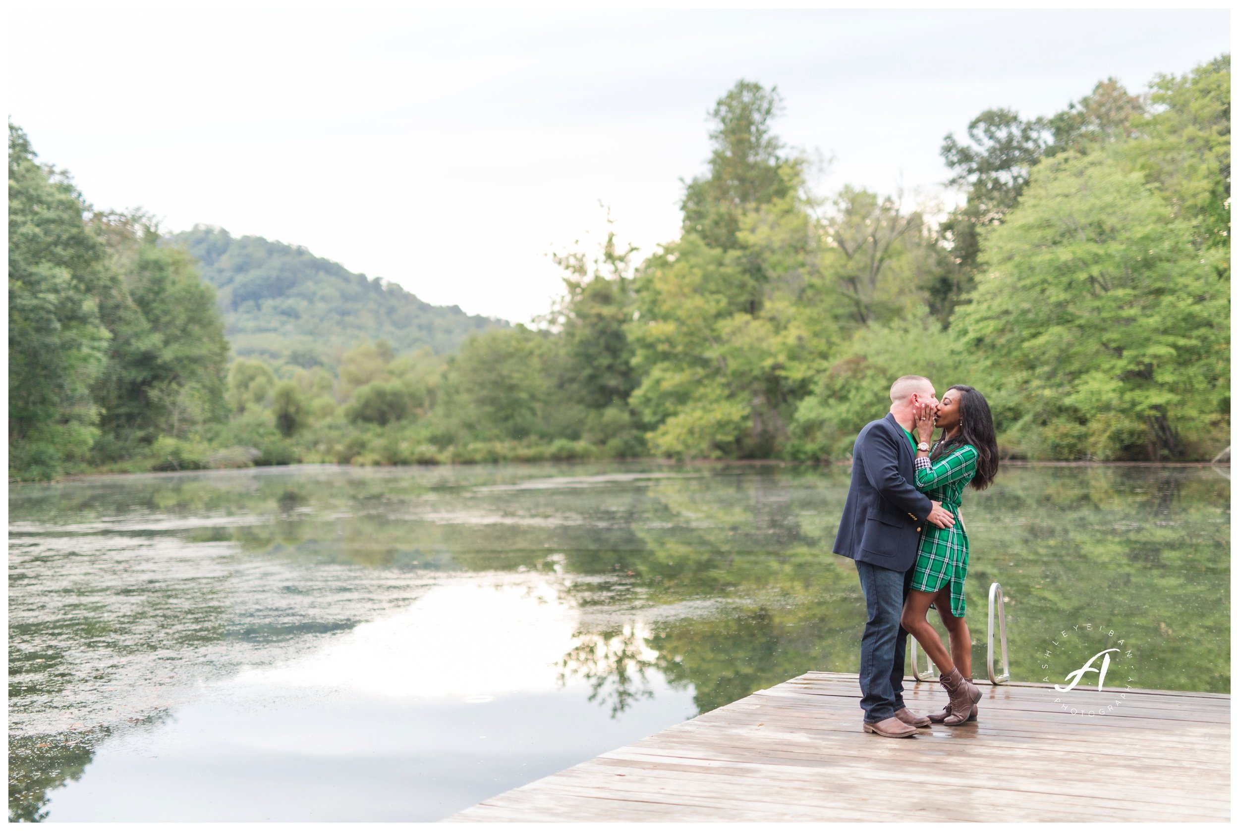 Charlottesville and Lynchburg Fall Engagement Session || Ashley Eiban Photography || www.ashleyeiban.com