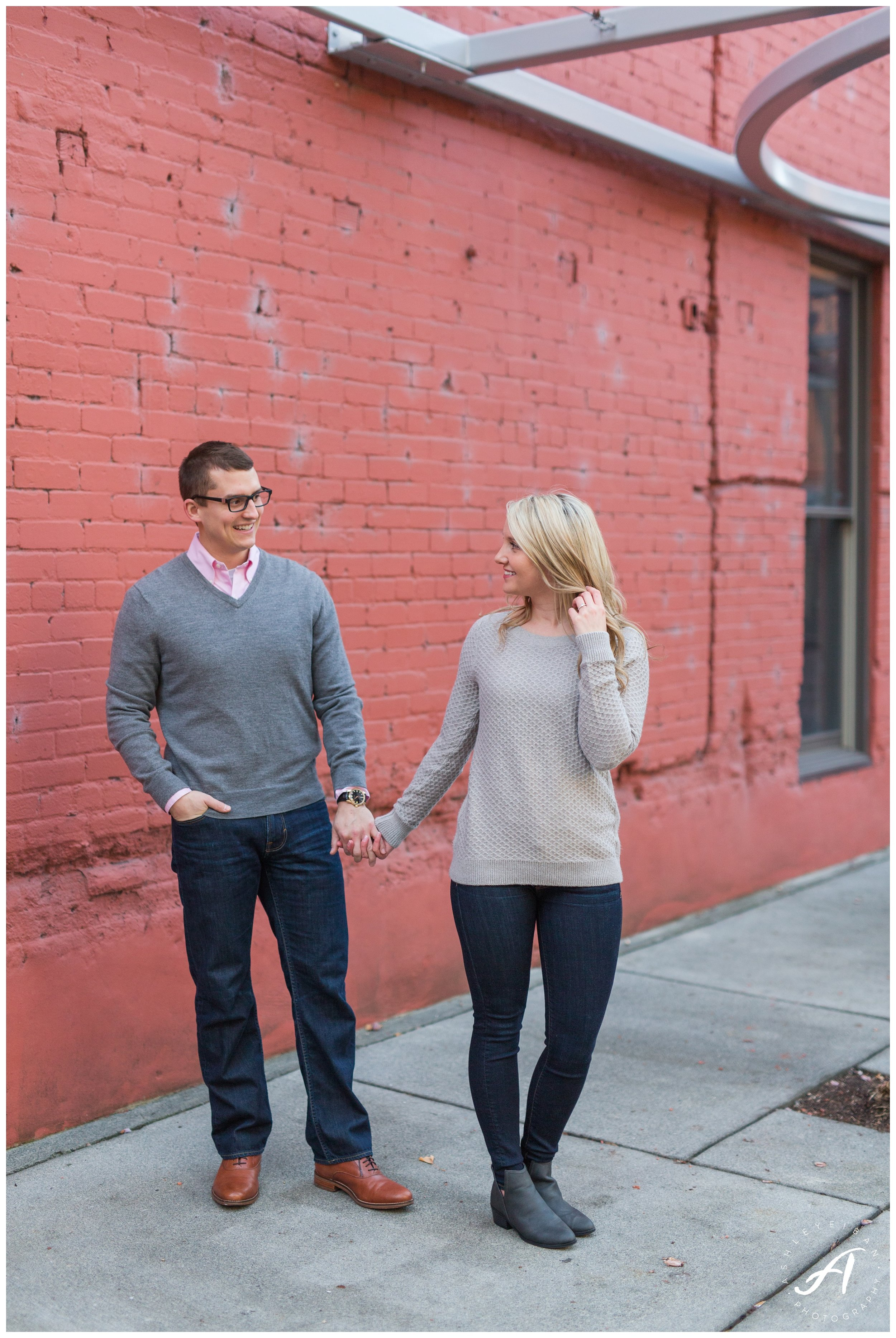 Downtown Roanoke Engagement Session || Central Virginia Wedding Photographer || www.ashleyeiban.com