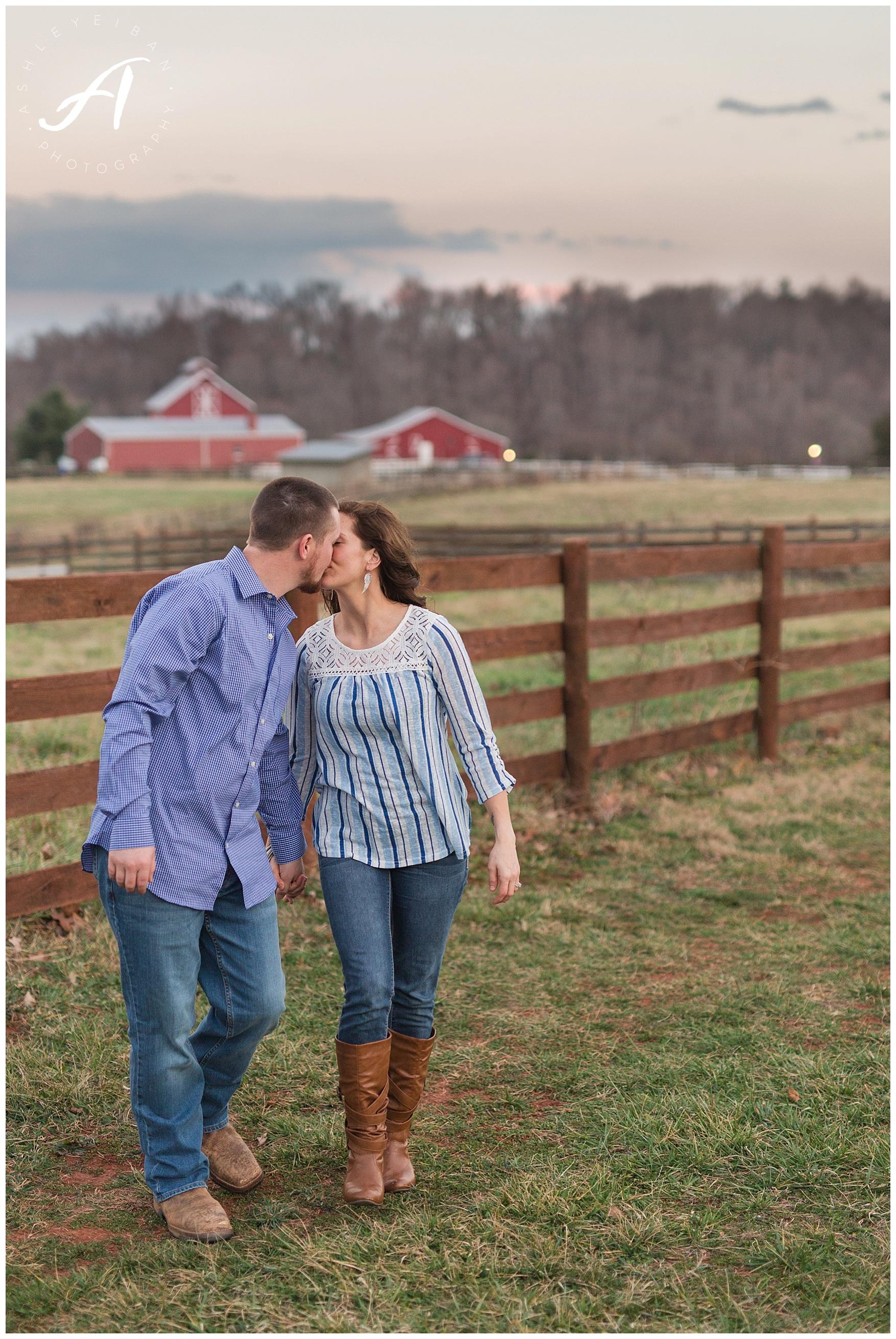 Lynchburg Virginia Wedding and Engagement Session || Charlottesville Wedding Photographer || Ashley Eiban Photography || www.ashleyeiban.com