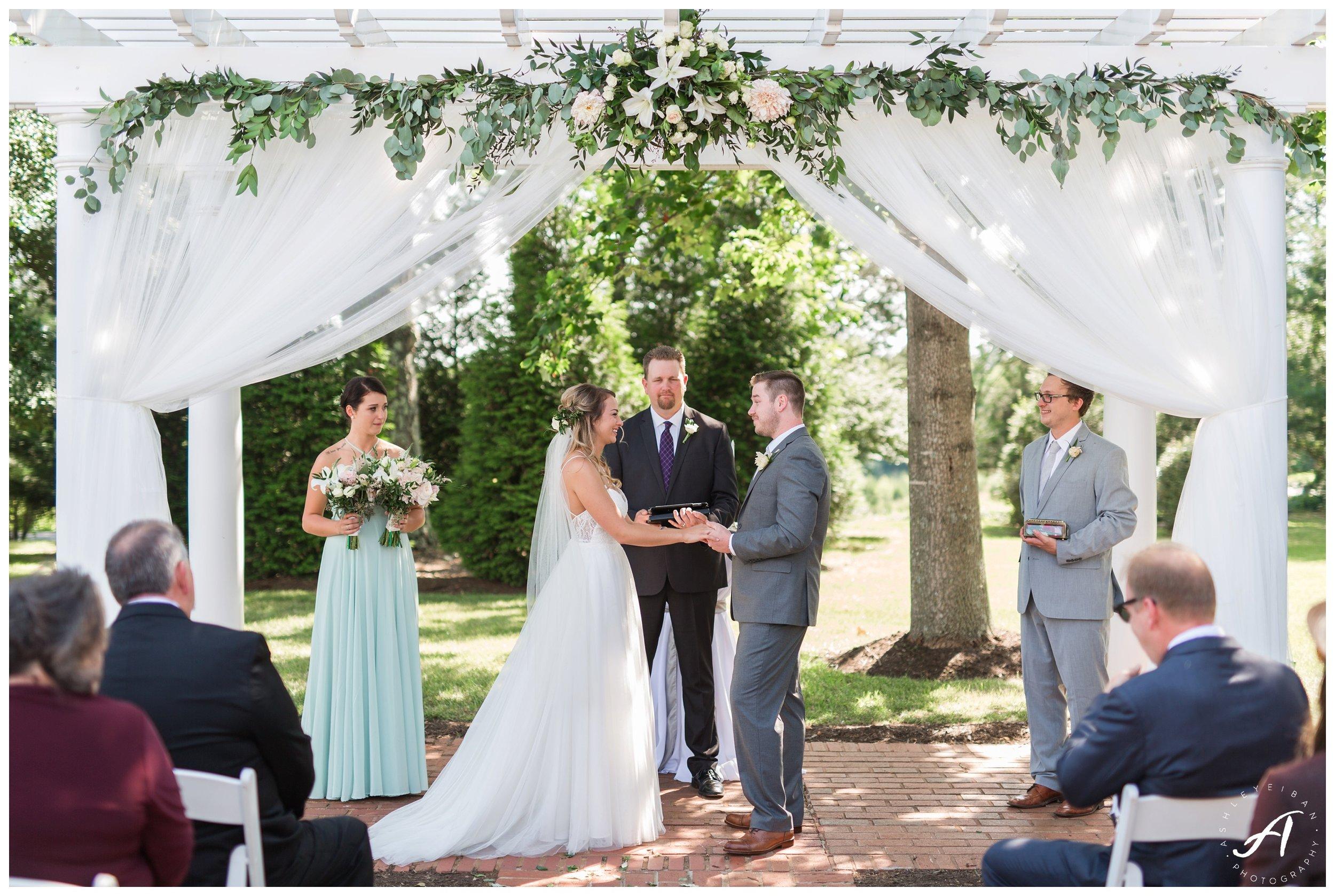 Lynchburg and Central Virginia Wedding Photographer || Trivium Estate Wedding Photos || Ashley Eiban Photography www.ashleyeiban.com