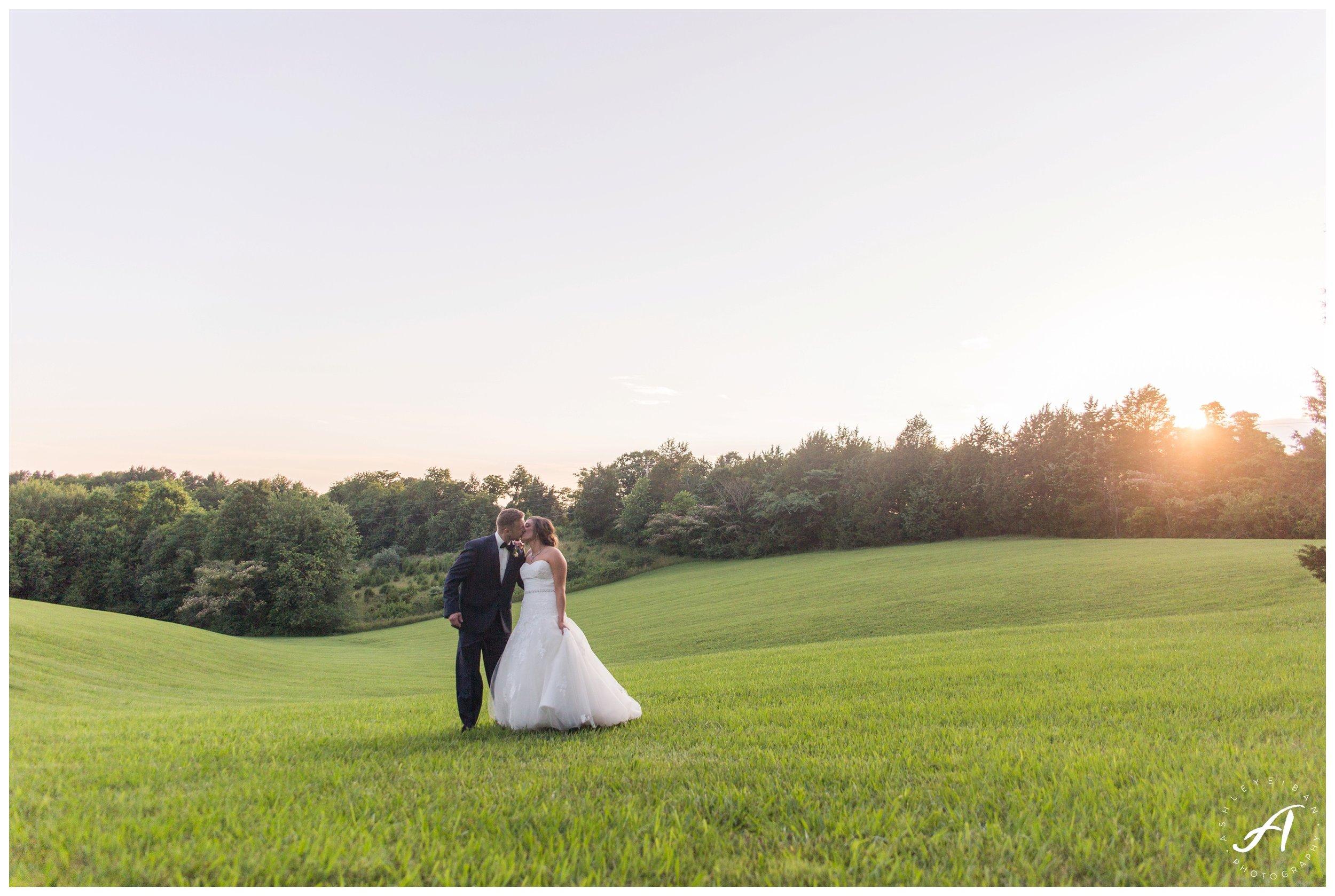 Charlottesville and Lynchburg Wedding Photography at The Trivium Estate || www.ashleyeiban.com