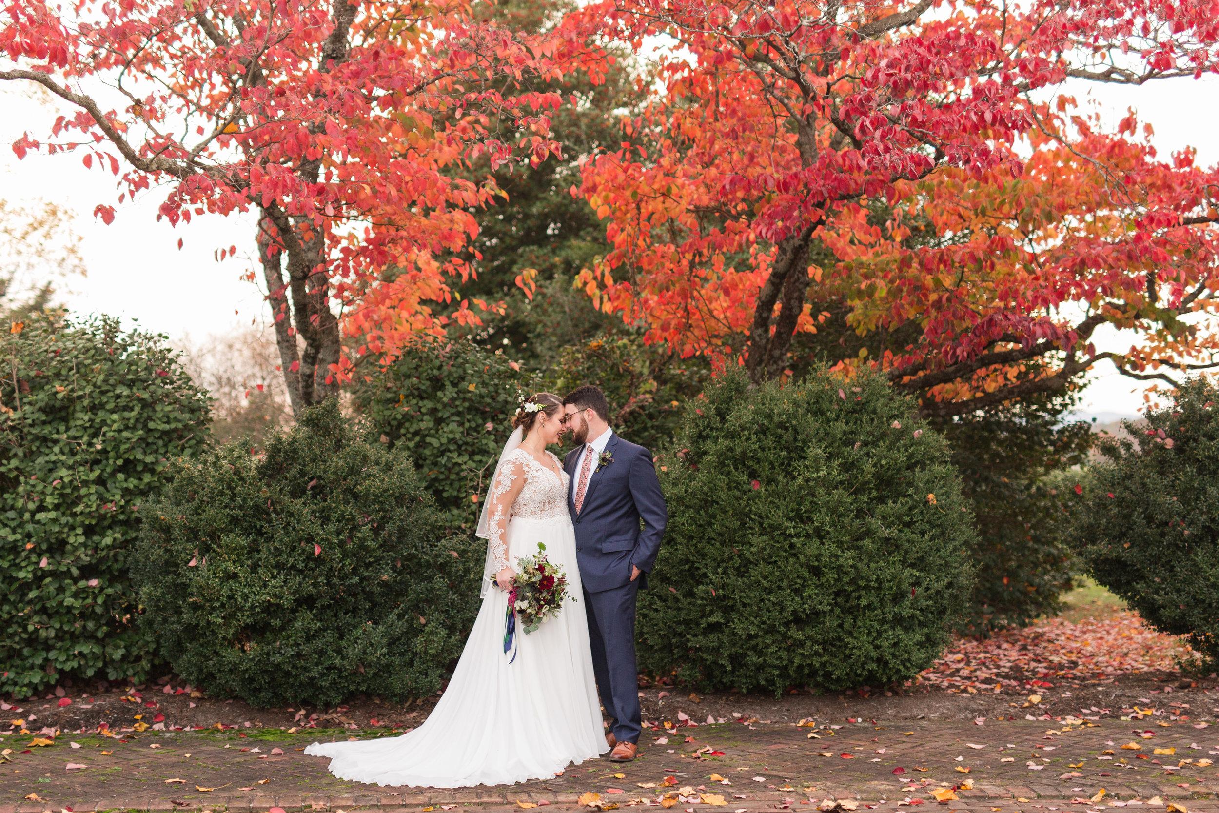 Lynchburg and Charlottesville Wedding and Portrait Photographer || The Trivium Estate Wedding || www.ashleyeiban.com