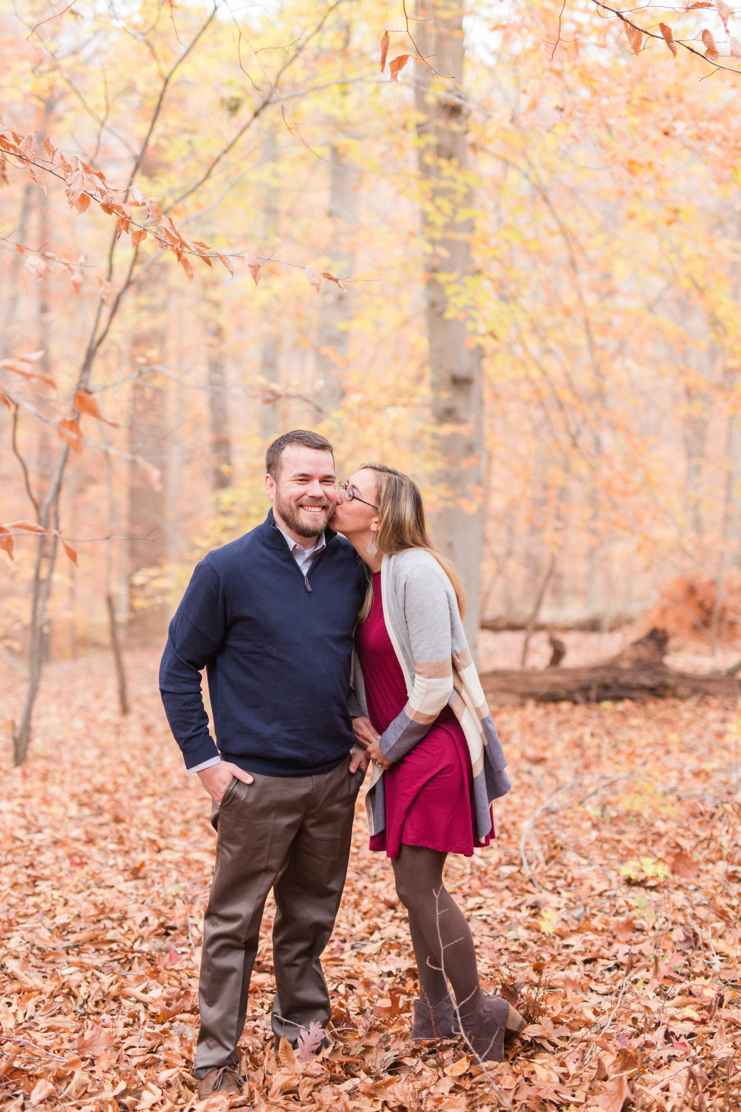 Lynchburg Virginia Engagement Session || Fall Engagement Photos in Virginia || Lynchburg Wedding and Portrait Photographer || www.ashleyeiban.com