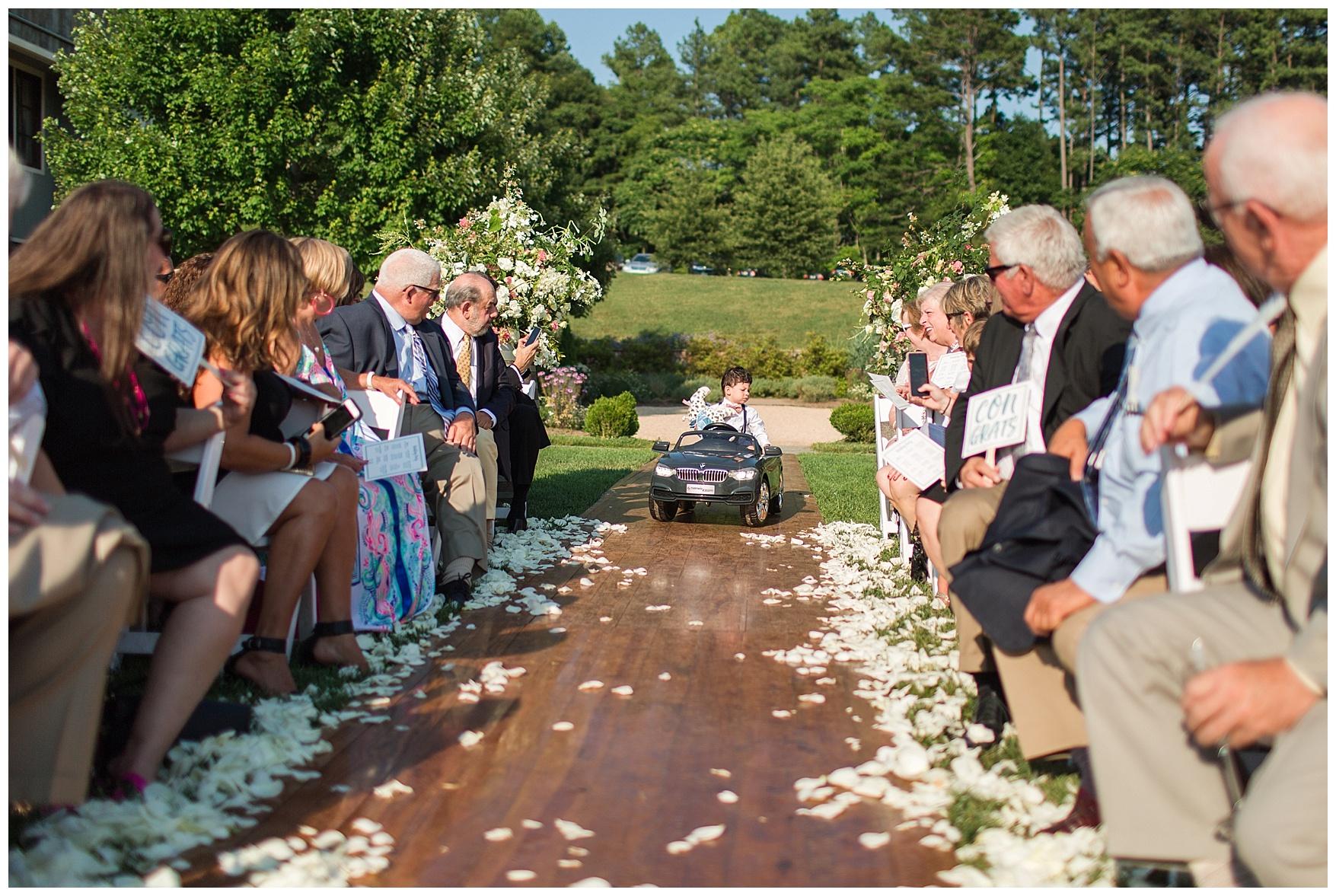 Pippin Hill Farm & Vineyard Wedding in Charlottesville, Virginia    Lynchburg and Charlottesville Wedding Photographer    Summer vineyard wedding in Central Virginia