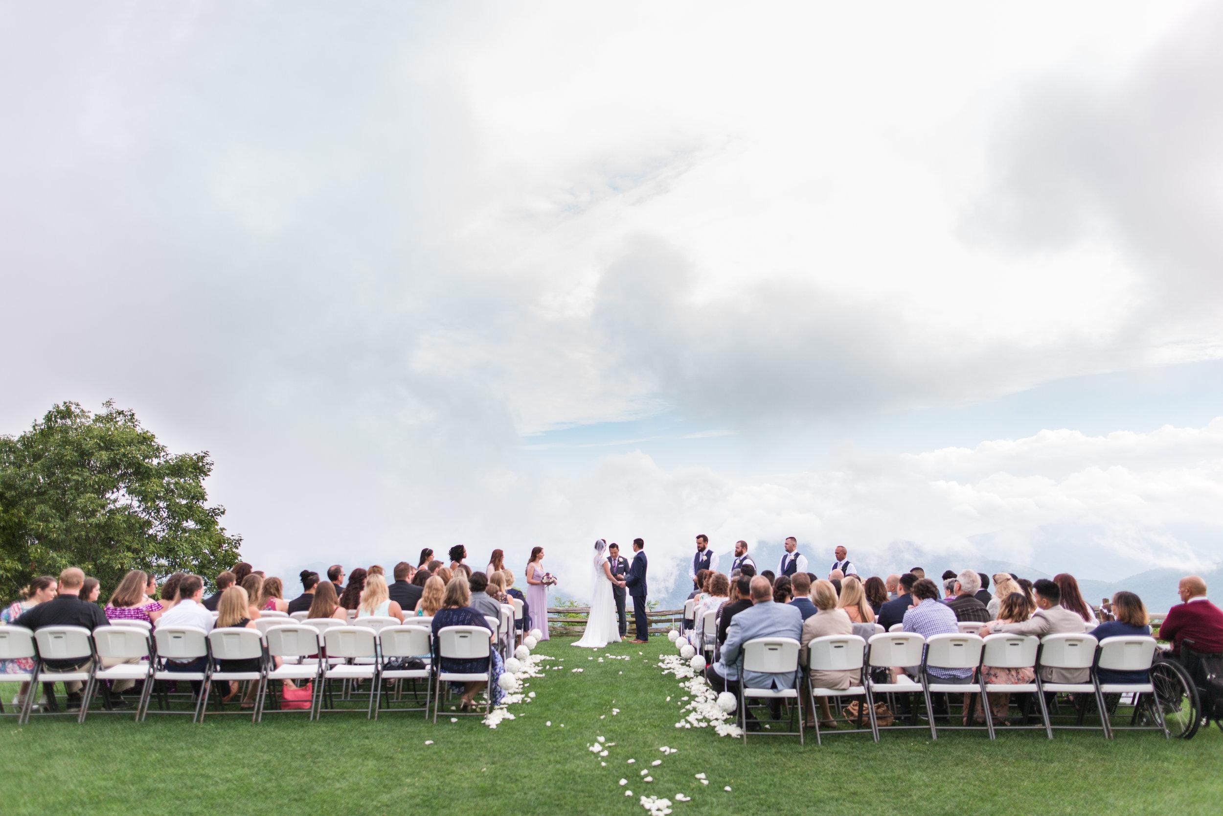 Summer Wintergreen Resort Wedding in Central Virginia || Lynchburg, VA Wedding Photographer