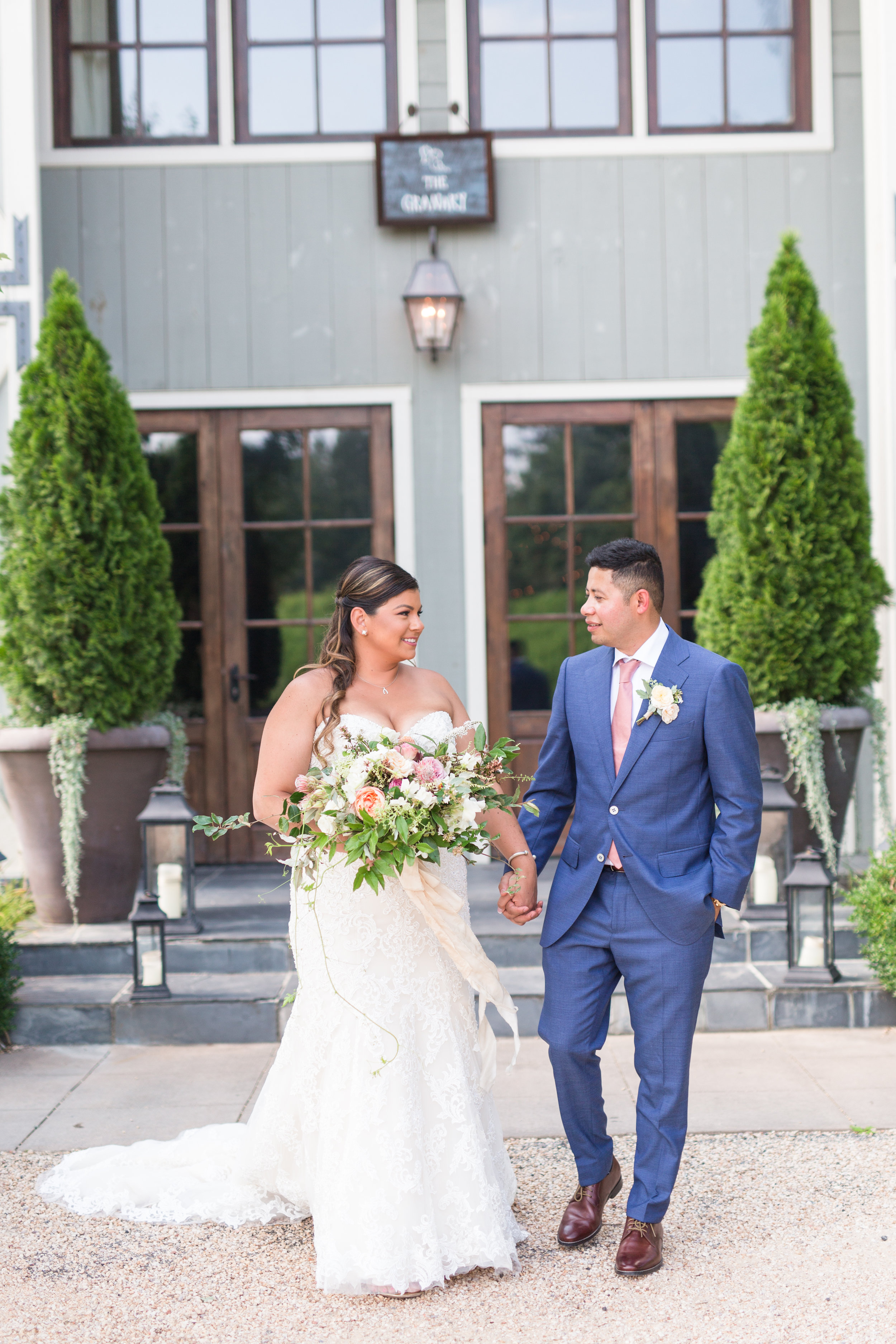 Wedding at Pippin Hill Farm and Vineyards in Charlottesville, Virginia || Central Virginia Wedding Photographer