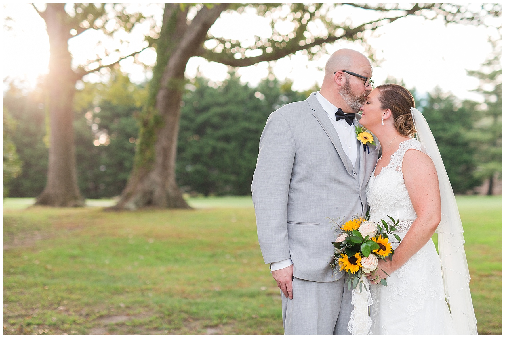 Danville Golf Club Wedding || Danville, Lynchburg, and Charlottesville Wedding Photographer || Fall Wedding in Central Virginia || www.ashleyeiban.com